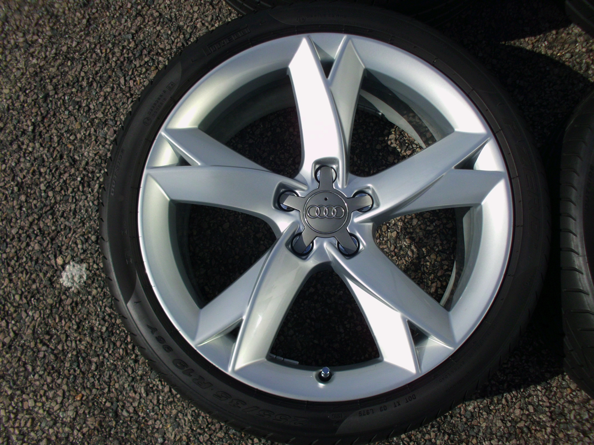"USED 19"" GENUINE AUDI A5 SLINE Y SPOKE ALLOYS TO FIT ALL A5 MODELS,FULLY REFURBED INC PIRELLI TYRES"