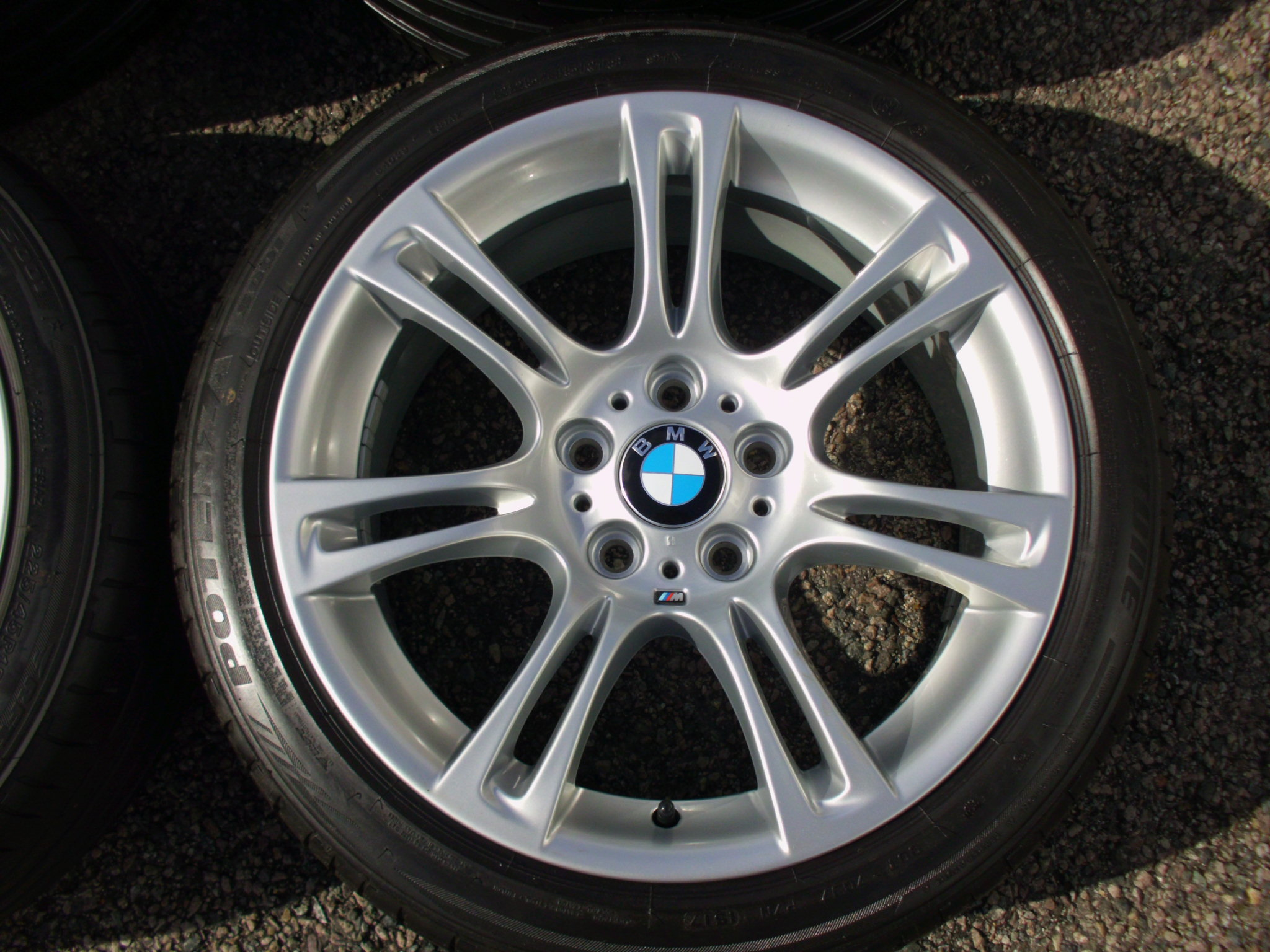 "USED 18"" GENUINE STYLE 350 M SPORT ALLOY WHEELS, WIDER REARS,FULLY REFURBED INC VERY GOOD BRIDGESTONE RUNFLAT TYRES"