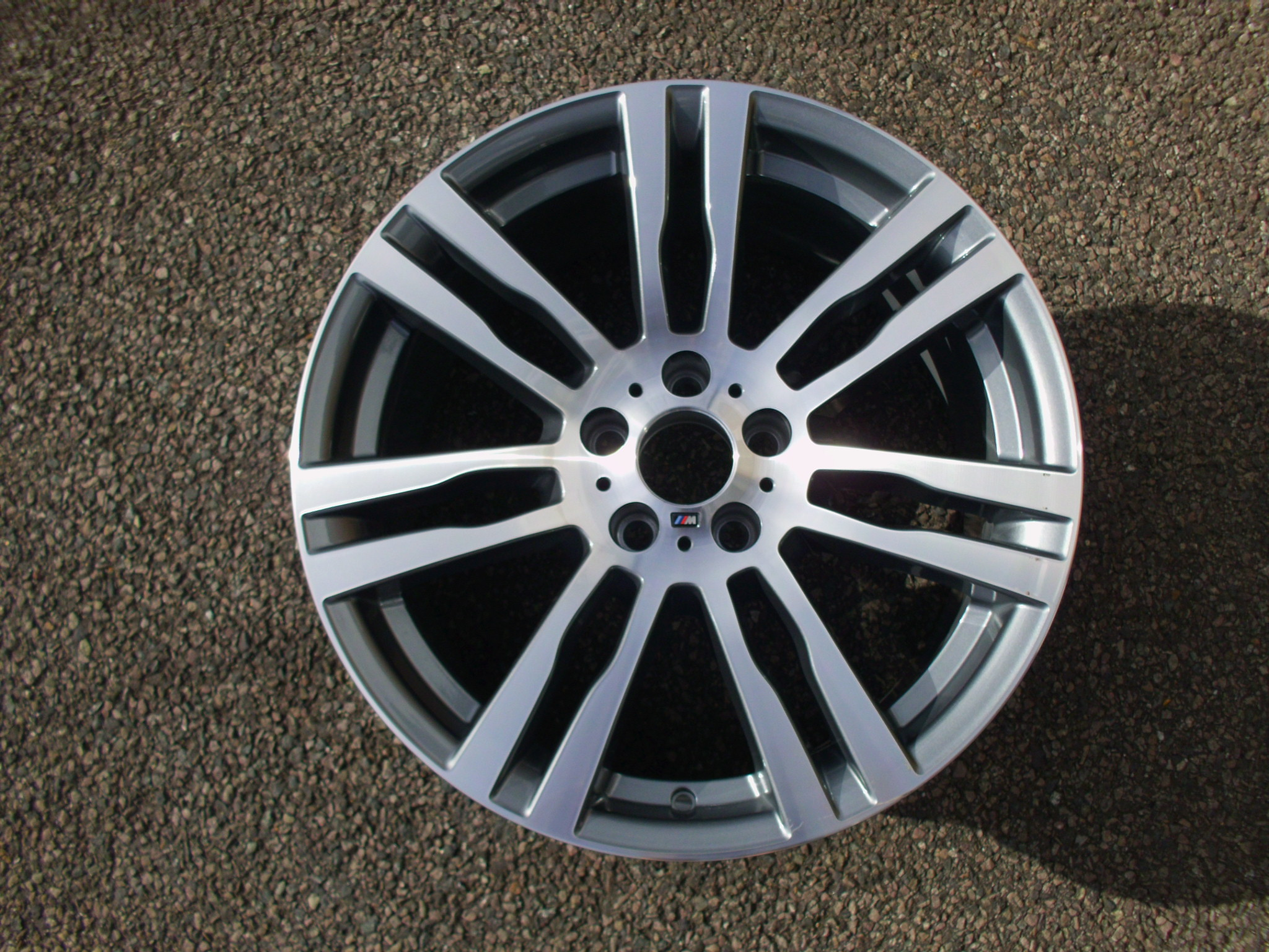 "USED SINGLE 20"" GENUINE BMW E70 X5 FRONT STYLE 333M ALLOY WHEEL, VG NEAR NEW CONDITION"
