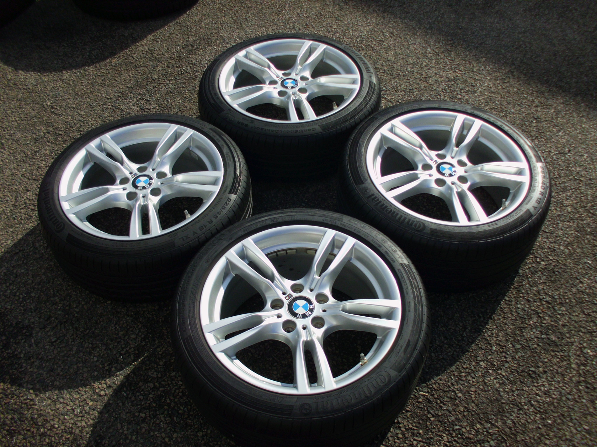 Used 18 Quot Genuine Style 400 M Sport Alloy Wheels Wider