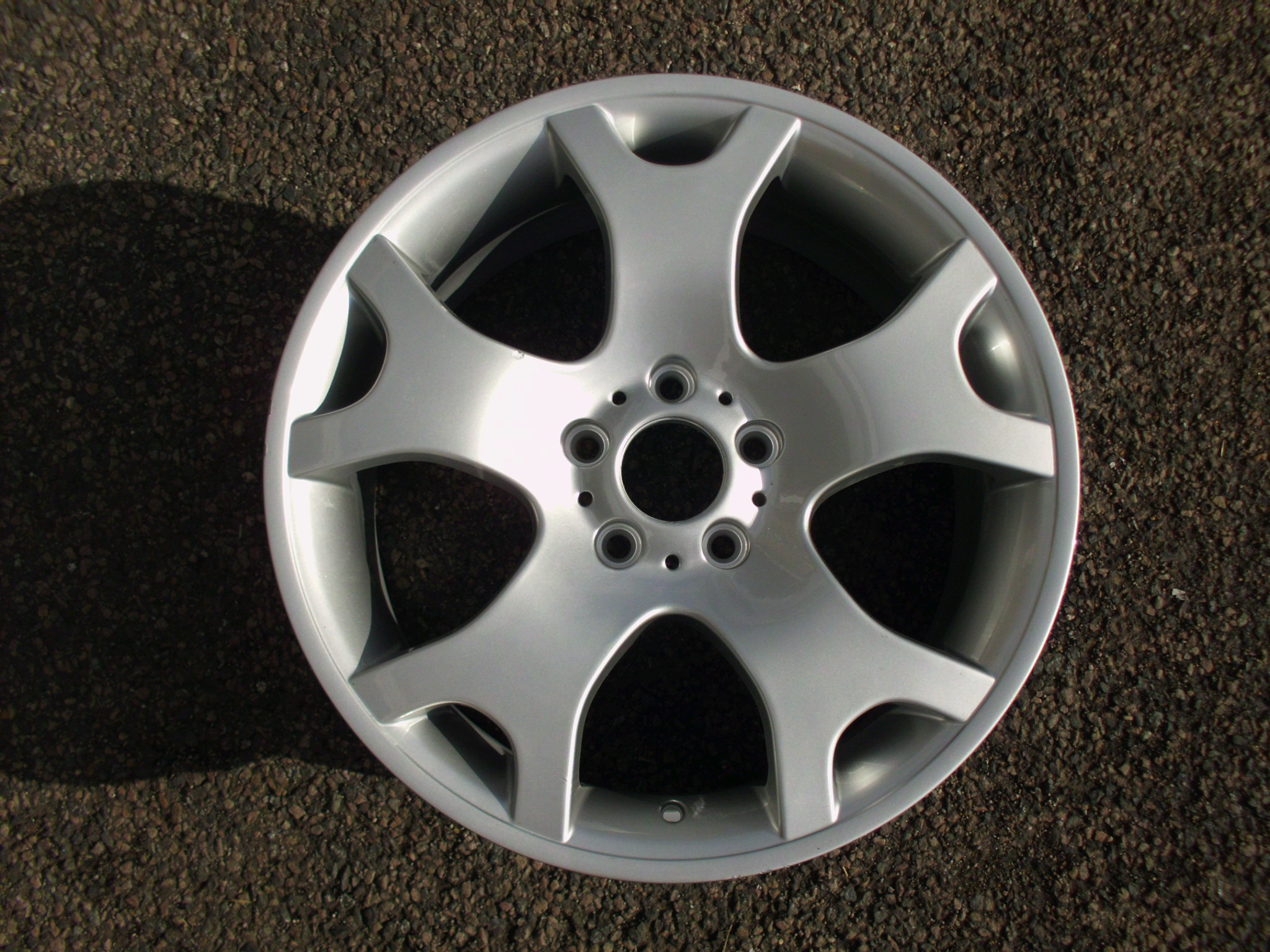 "USED SINGLE 19"" GENUINE BMW E53 X5 FRONT STYLE 63 ALLOY WHEEL, HAS BEEN FULLY REFURBED"