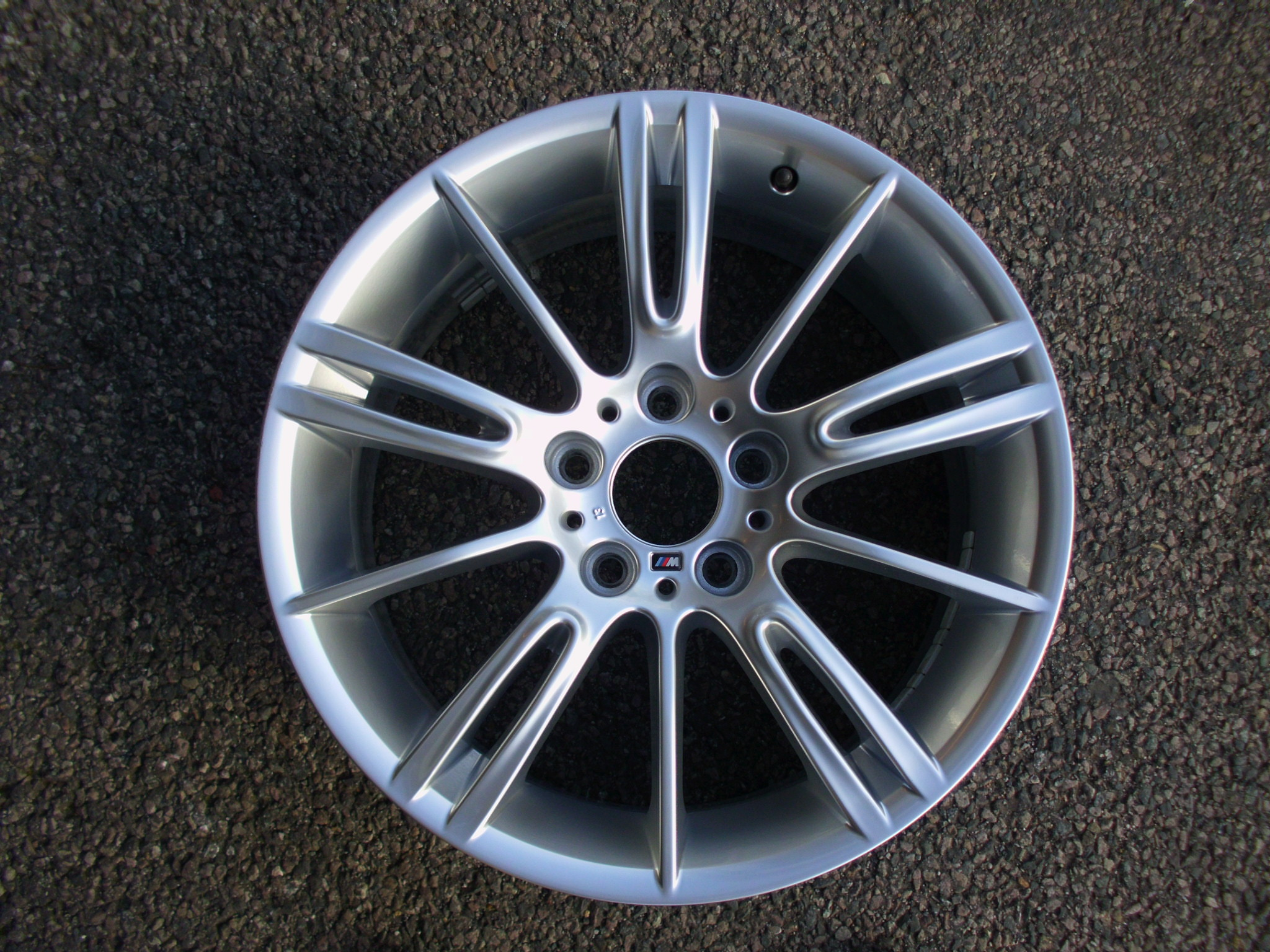 "USED SINGLE 18"" GENUINE BMW E90 3 SERIES STYLE 193M REAR ALLOY WHEEL, EXCELLENT ORIGINAL CONDITION"
