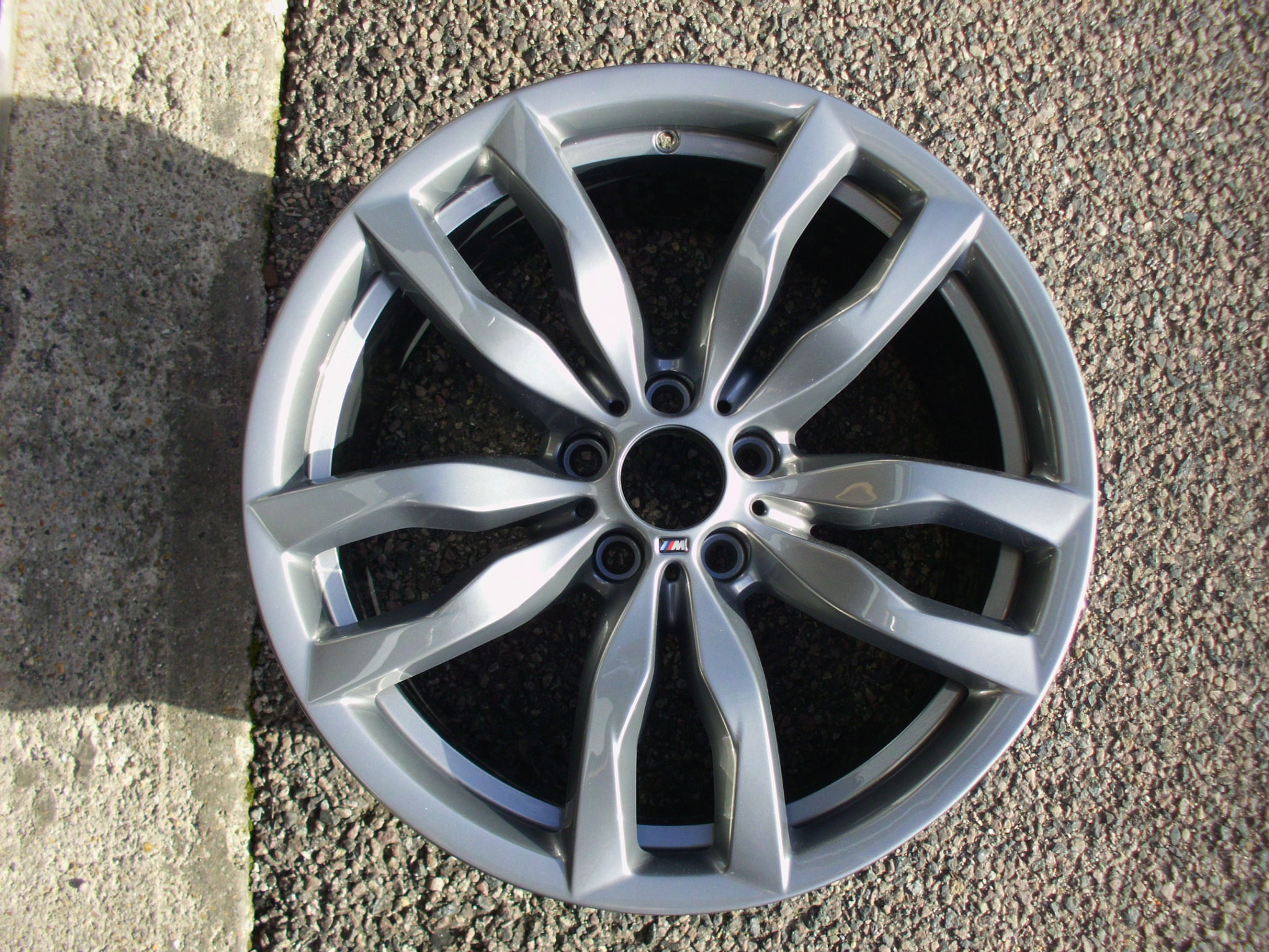 "USED SINGLE 20"" GENUINE BMW E70 X5 FRONT STYLE 435M ALLOY WHEEL, FULLY REFURBISHED IN ORIGINAL FERRIC GREY"