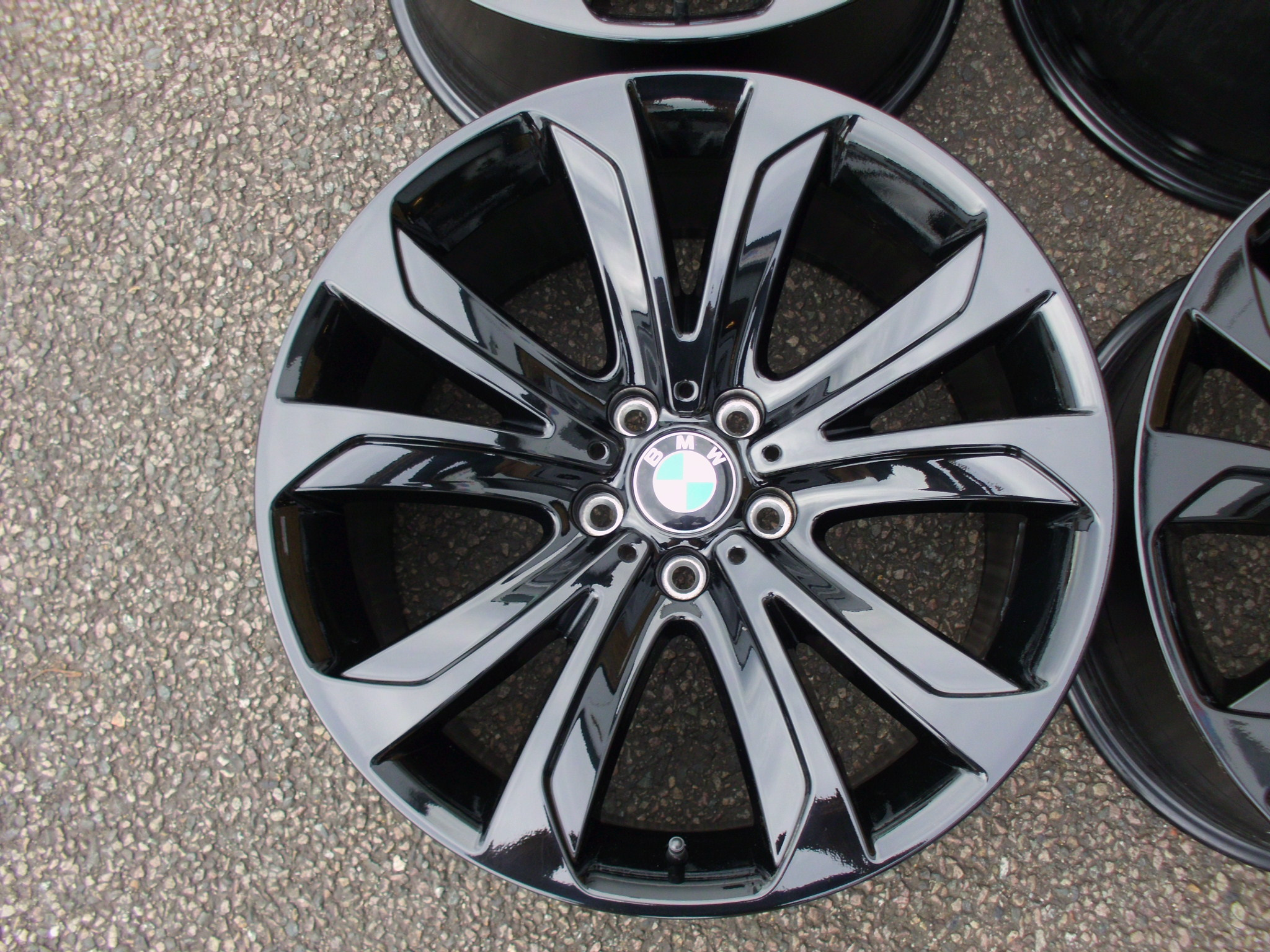 "USED 20"" GENUINE STYLE 491 DOUBLE SPOKE F15 X5/X6 ALLOYS, 11"" REAR, EX DISPLAY NEVER USED"