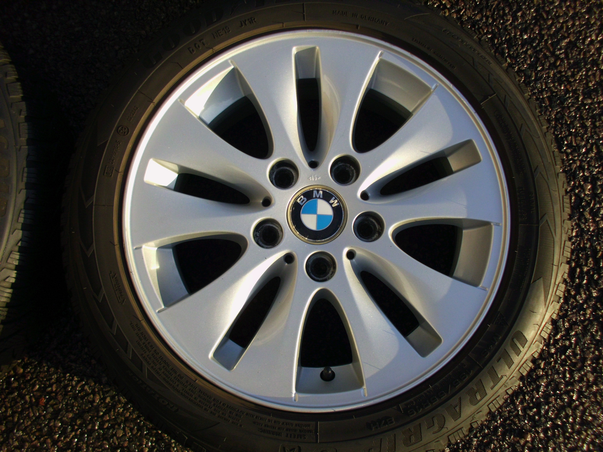 "USED 16"" GENUINE BMW STYLE 229 V SPOKE ALLOY WHEELS INC VG GOODYEAR WINTER TYRES"