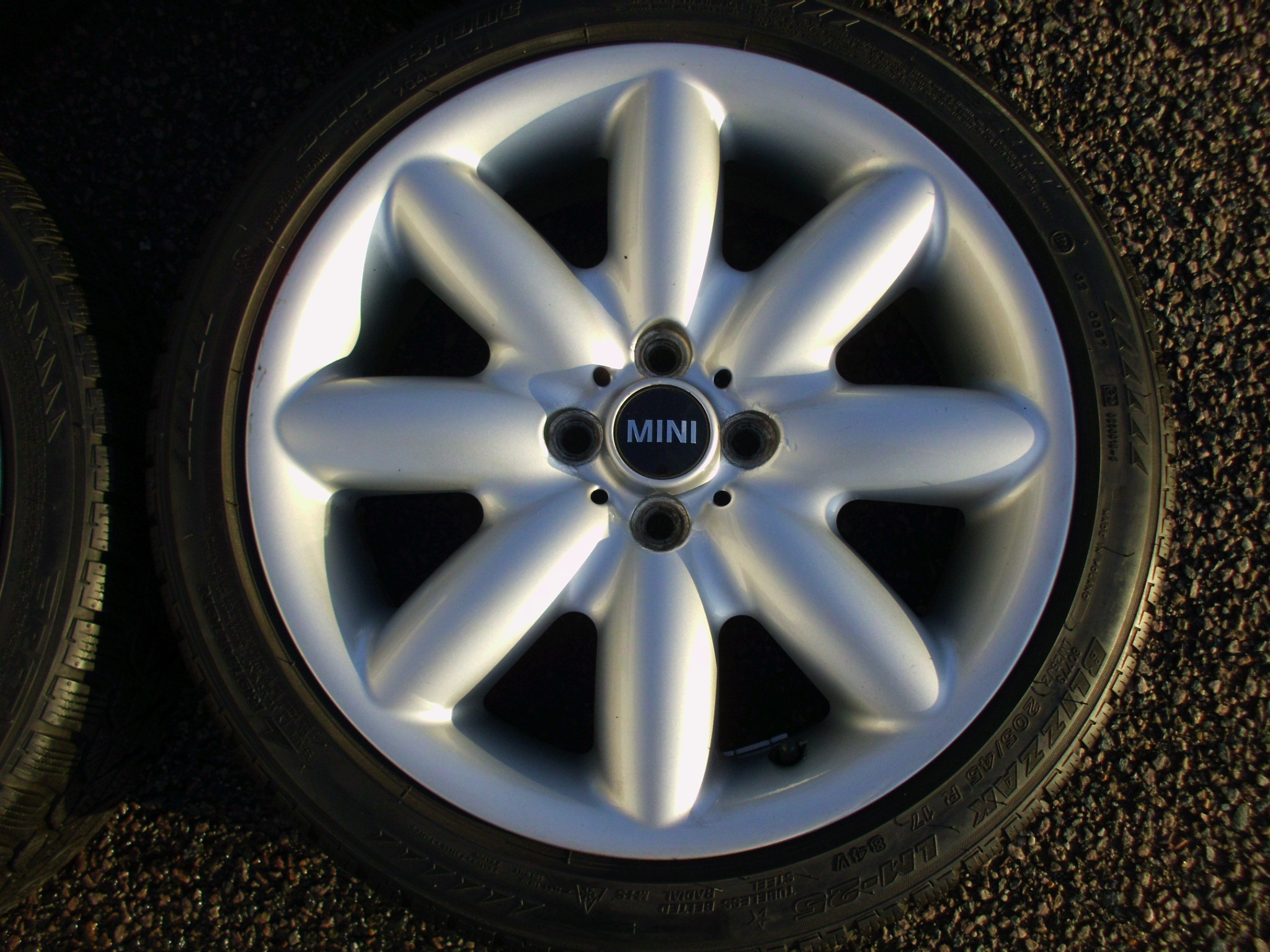 "USED 17"" GENUINE MINI COOPER S R85 8 SPOKE FLAME ALLOY WHEELS, CLEAN INC VG BRIDGESTONE RUNFLAT WINTER TYRES"