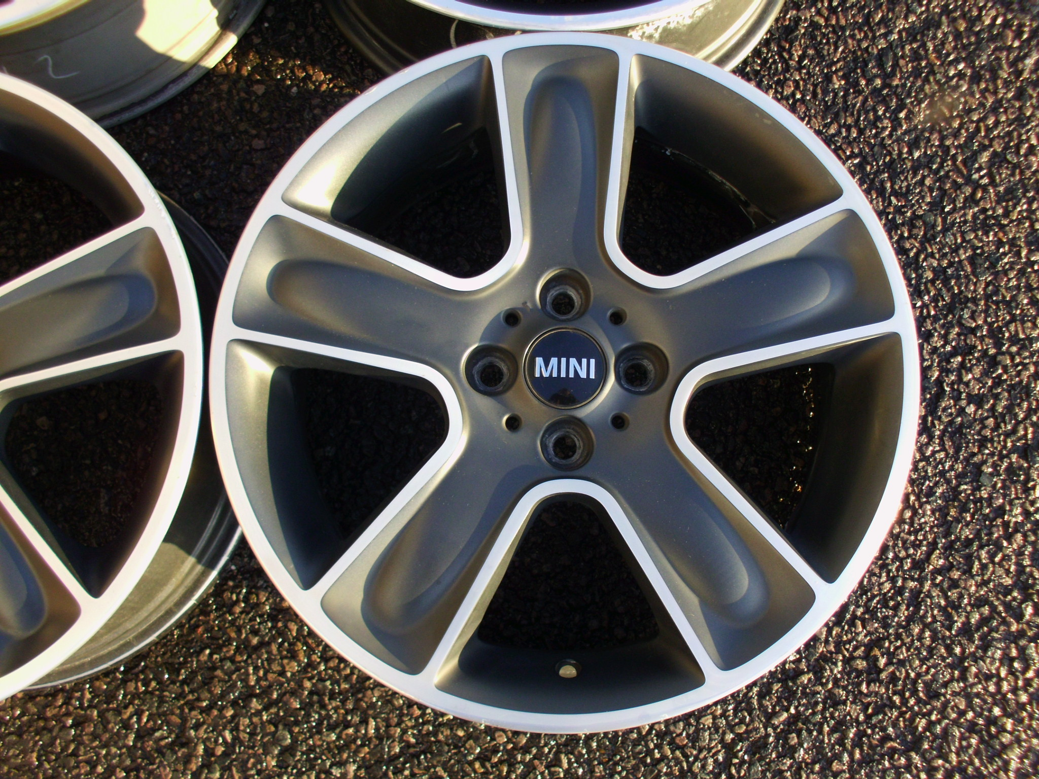 "USED 17"" GENUINE MINI COOPER S R111 STAR BULLET ALLOY WHEELS IN SATIN BLACK WITH POLISHED FACE"