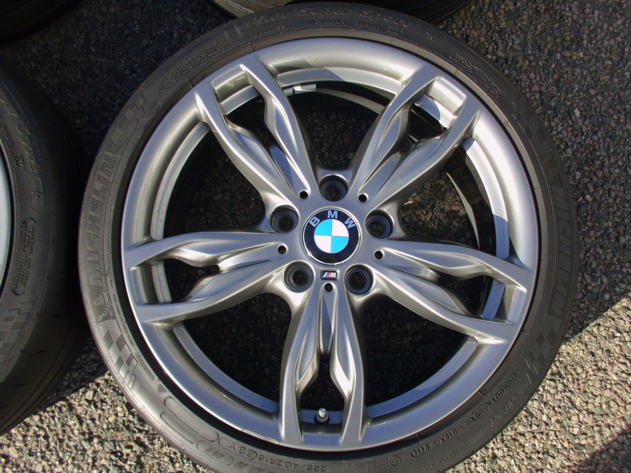 "USED 18"" GENUINE STYLE 436M DOUBLE SPOKE ALLOYS,GC,WIDE REAR INC MICHELIN PILOT SS TYRES AND TPMS"
