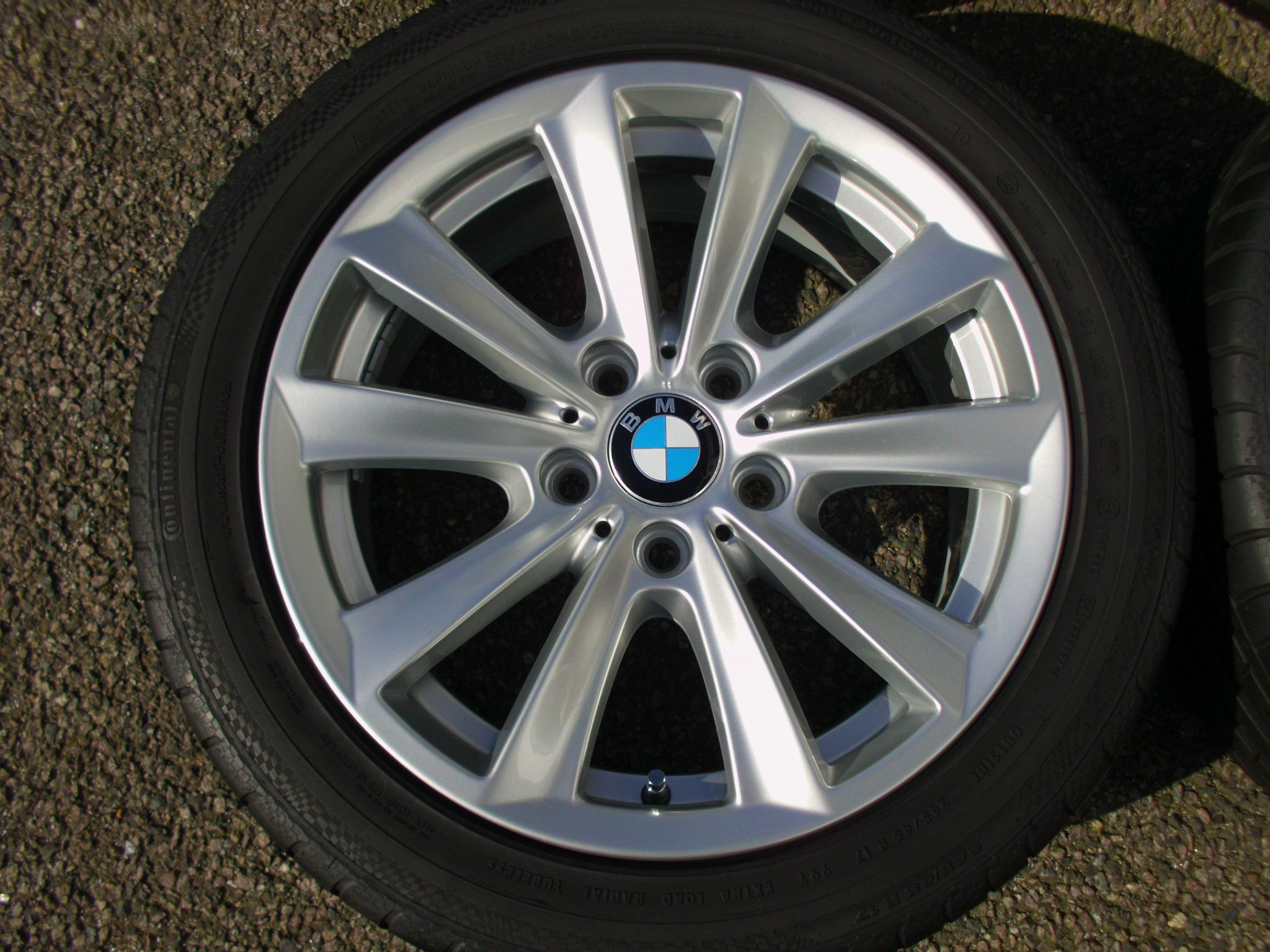 "USED 17"" GENUINE BMW STYLE 236 V SPOKE ALLOY WHEELS, FULLY REFURBED INC VG CONTINENTAL NON RUNFLAT TYRES"