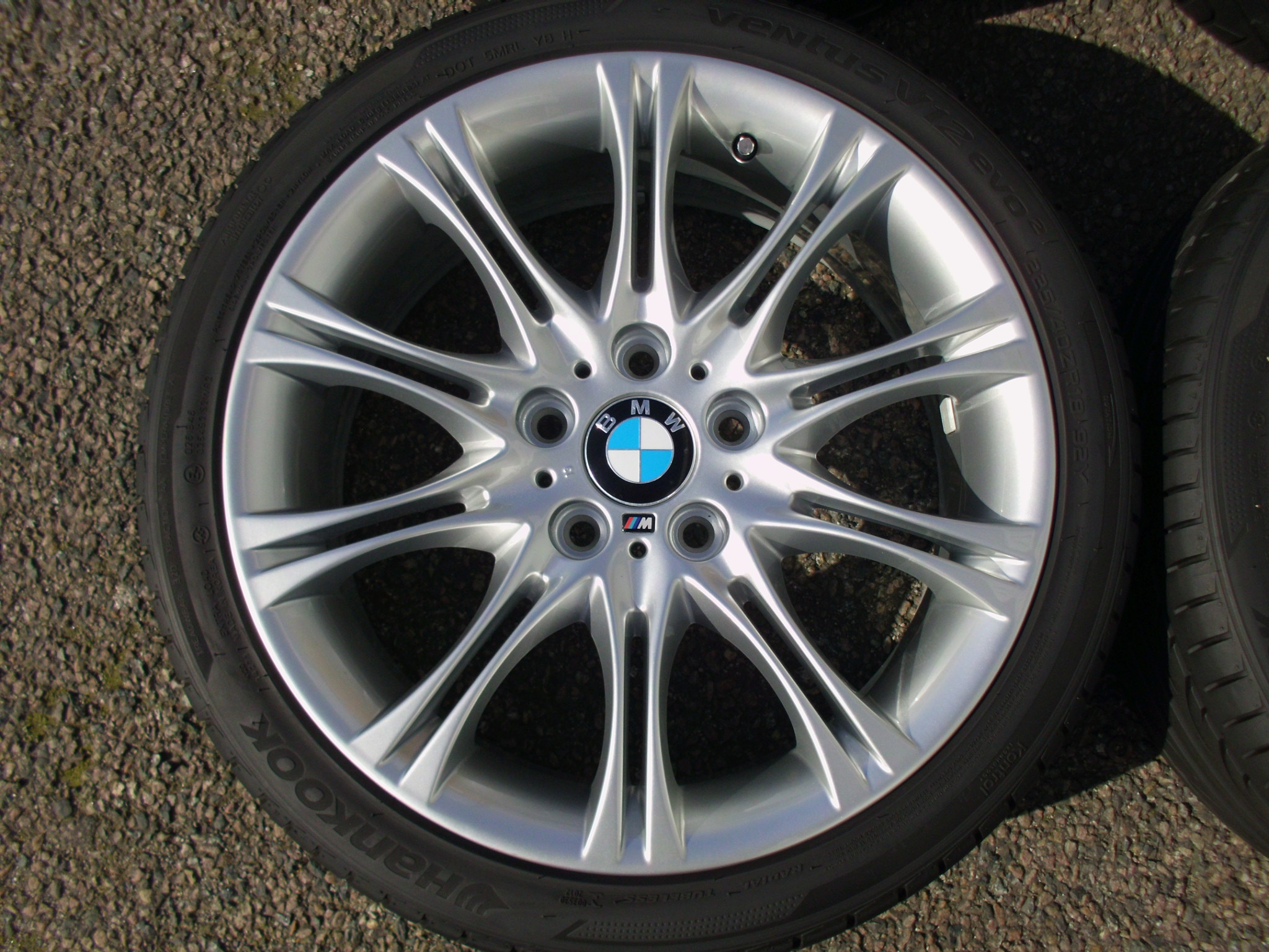 "USED 18"" GENUINE STYLE 135 E46 MV2 SPORT ALLOY WHEELS,FULLY REFURBED,WIDE REAR INC TYRES"