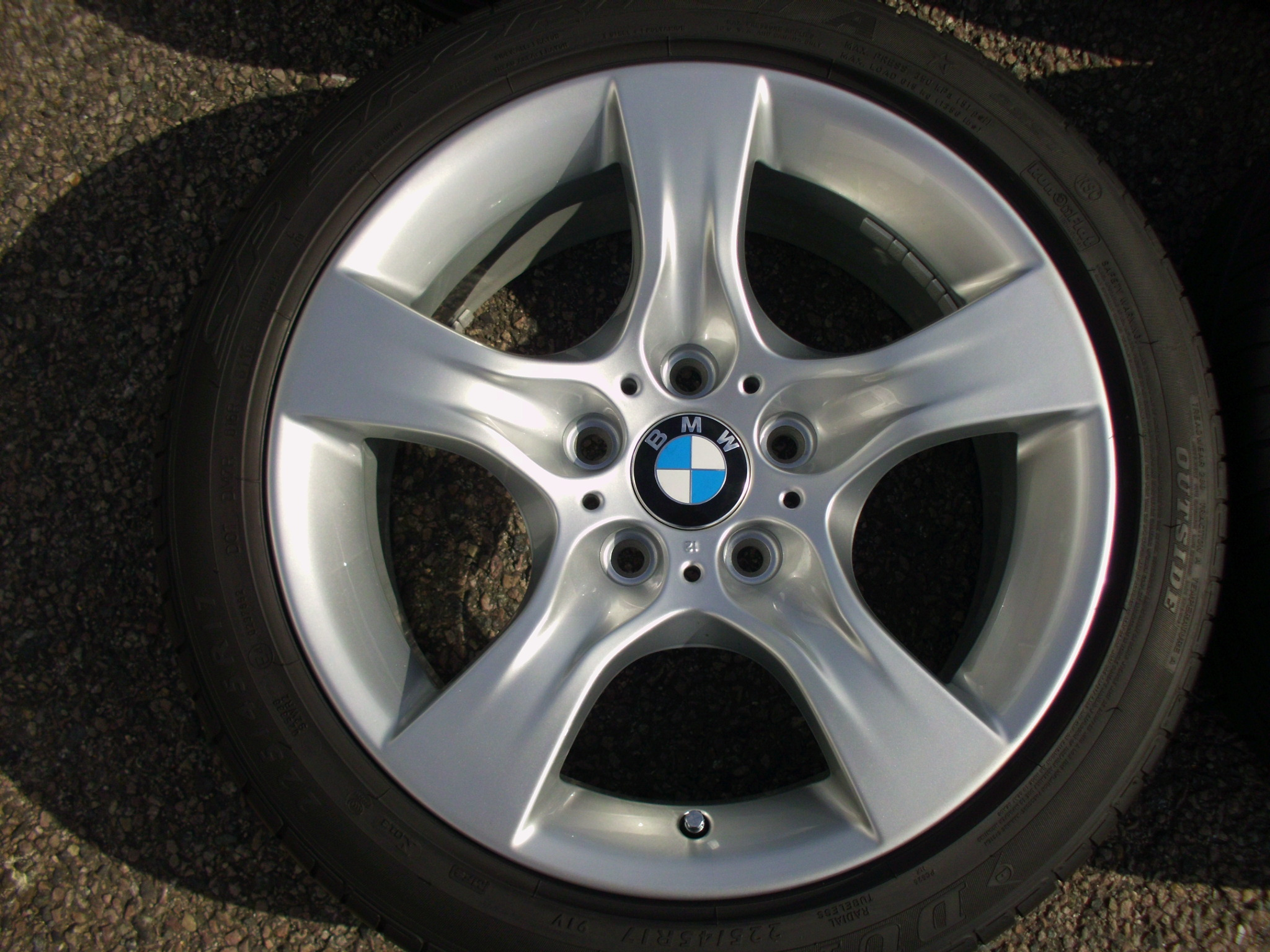 "USED 17"" GENUINE BMW STYLE 339 E92 5 SPOKE ALLOY WHEELS, FULLY REFURBED INC GOOD RUNFLAT TYRES"