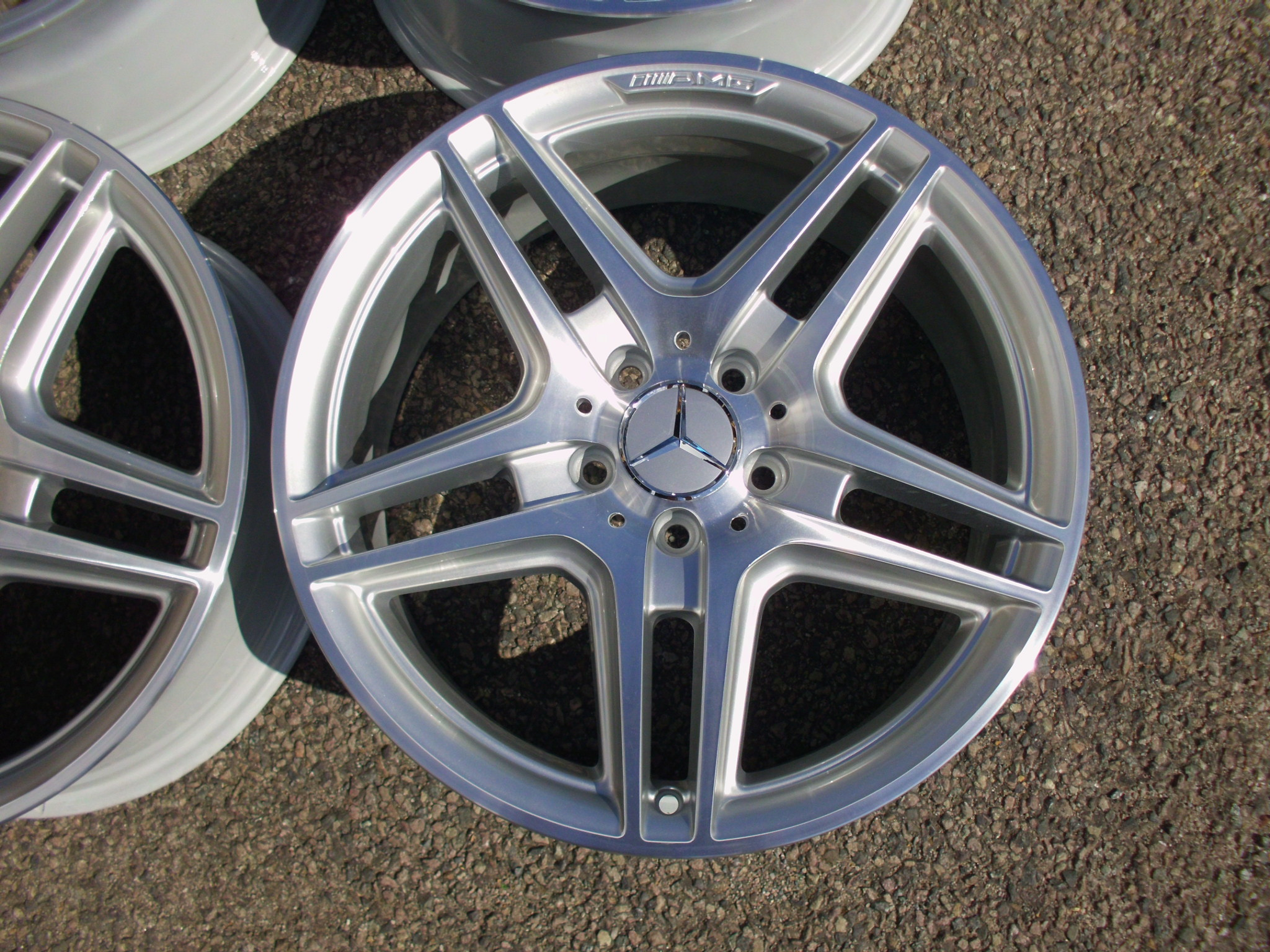 "USED 18"" GENUINE MERCEDES AMG IV 5 TWIN SPOKE ALLOYS WITH POLISHED FACE,WIDER REARS,FULLY REFURBED TO FIT MANY MERCEDES MODELS"