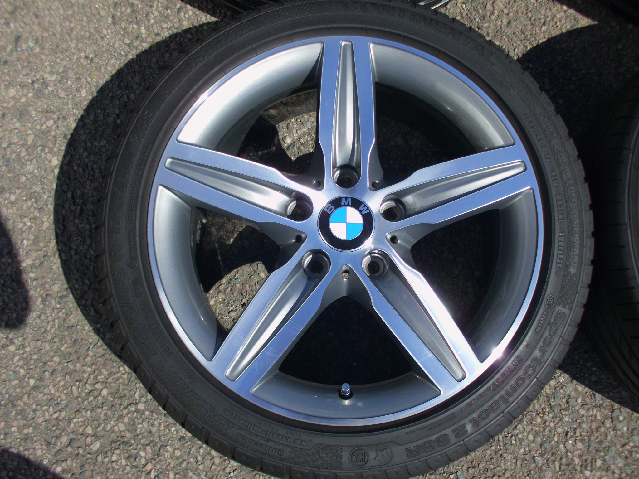 "USED 17"" GENUINE BMW STYLE 379 1 SERIES 5 SPOKE ALLOY WHEELS,FULLY REFURBED GUNMETAL/POLISHED, INC VERY GOOD RUNFLAT TYRES"