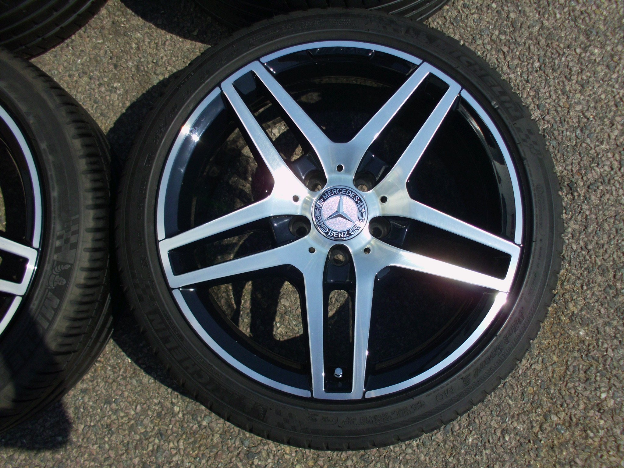"USED 18"" GENUINE MERCEDES AMG 5 TWIN SPOKE ALLOY WHEELS,FULLY REFURBED INC GOOD TYRES ,FROM W212 E CLASS"