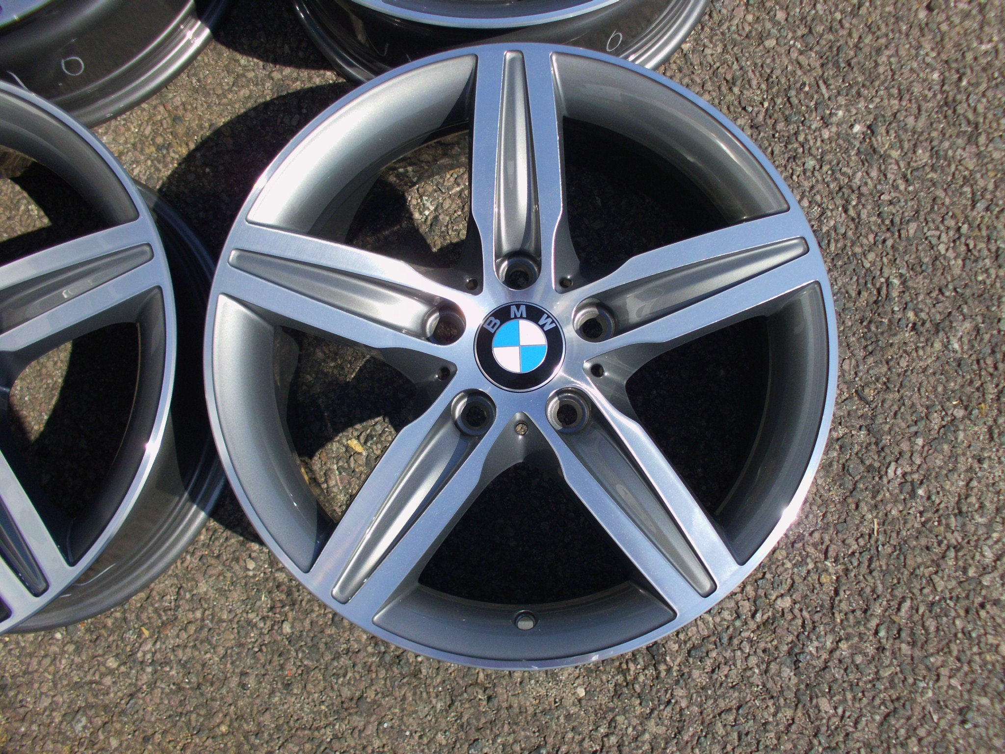 "USED 17"" GENUINE BMW STYLE 379 1 SERIES 5 SPOKE ALLOY WHEELS,FULLY REFURBED GUNMETAL/POLISHED"
