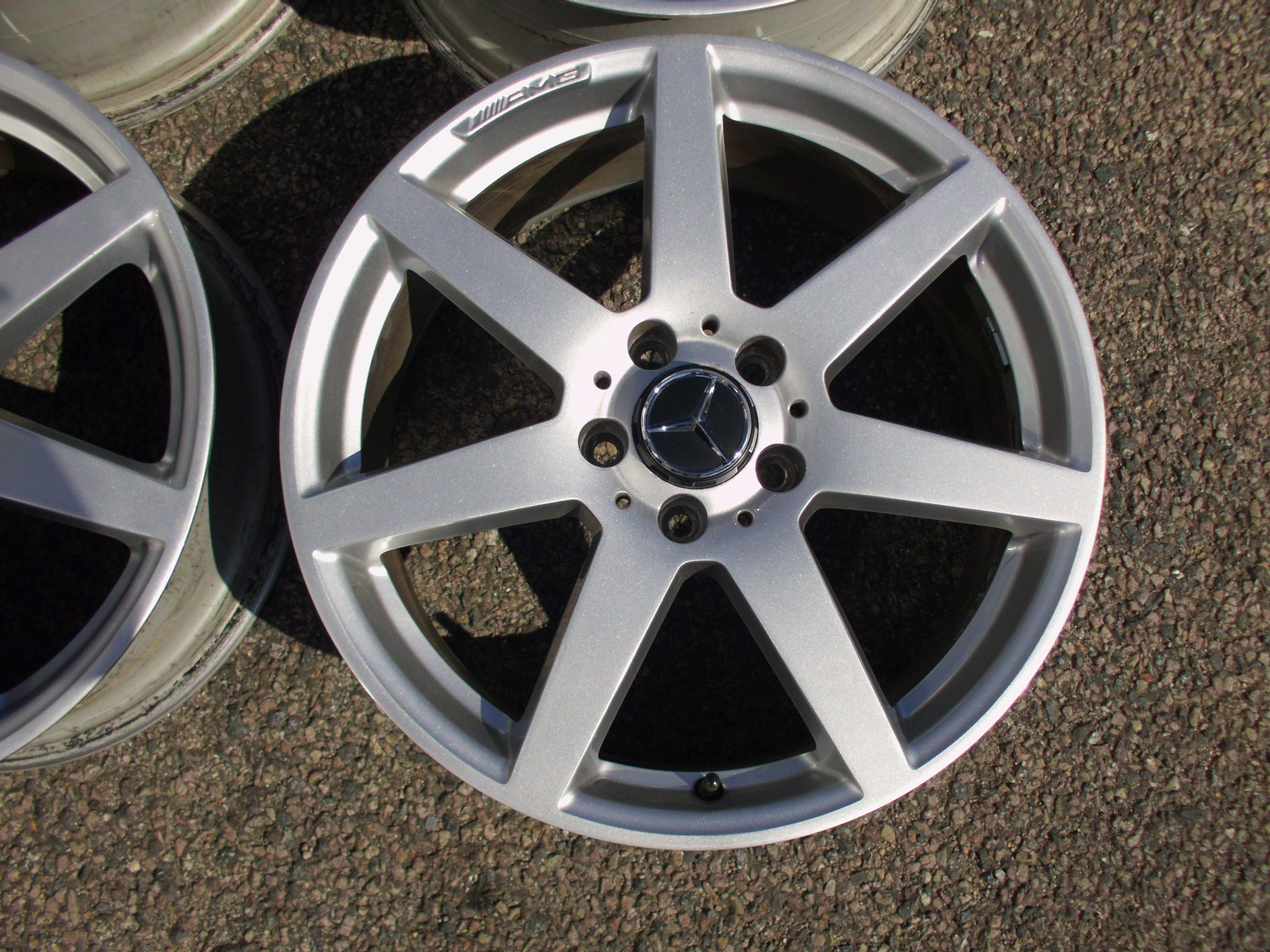 "USED 18"" GENUINE MERCEDES AMG 7 SPOKE ALLOY WHEELS,VERY GOOD CONDITION ,WIDER REARS"