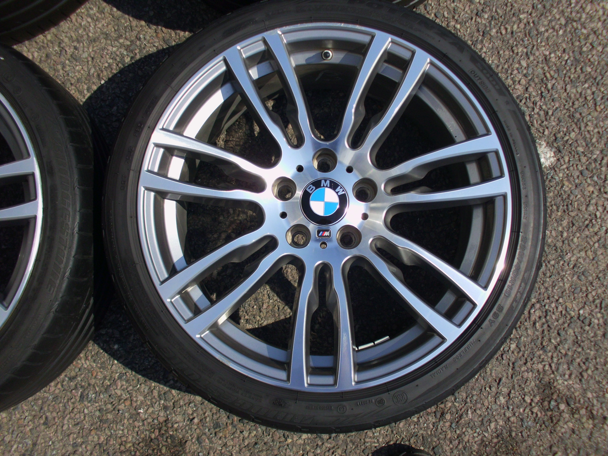 "USED 19"" GENUINE BMW STYLE 403 F30 M DOUBLE SPOKE ALLOY WHEELS , GOOD ORIGINAL CONDITION INC BRIDGESTONE RUNFLAT TYRES + TMPS"