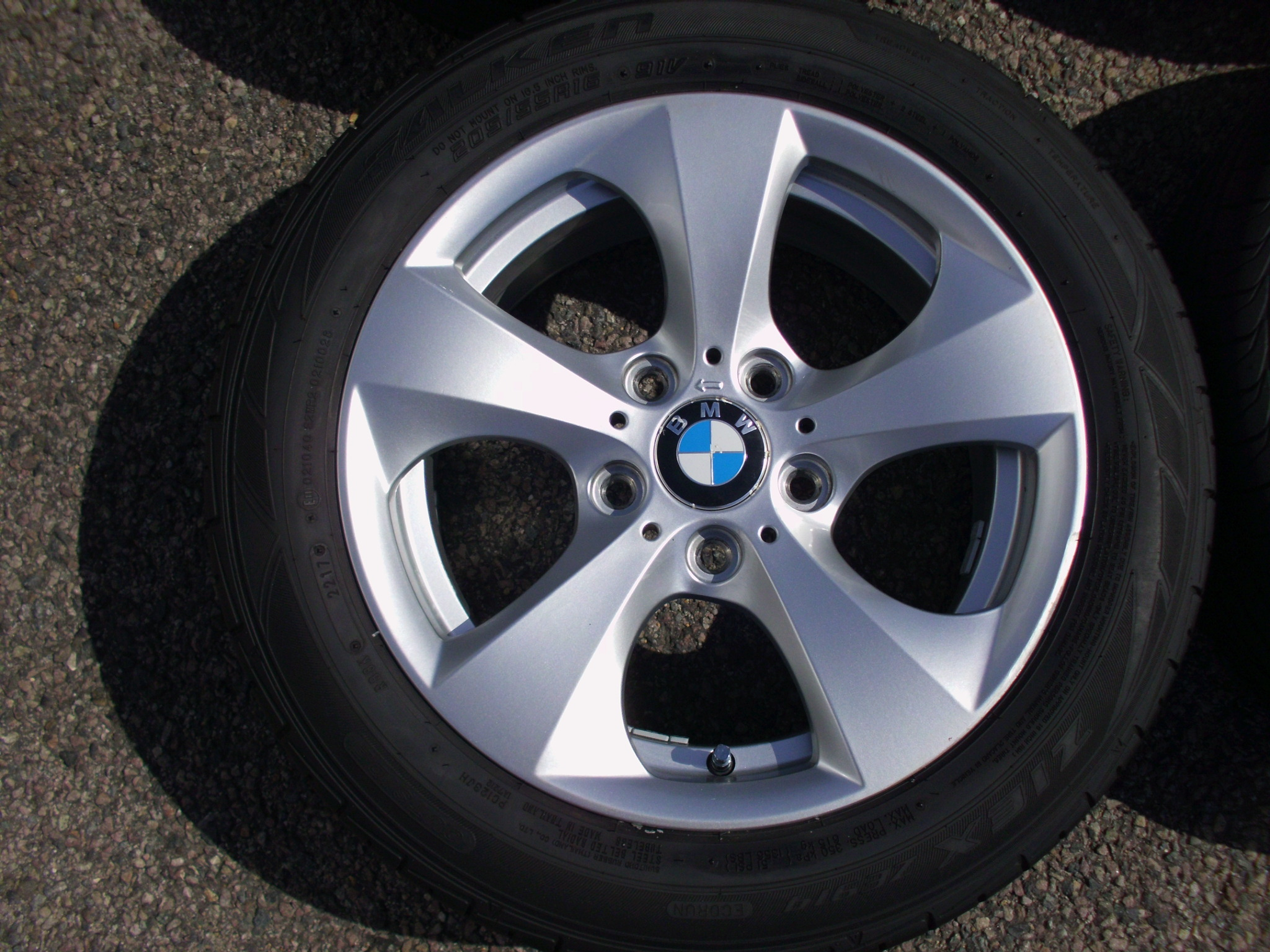 "USED 16"" GENUINE BMW STYLE 306 TURBINE DIRECTIONAL ALLOY WHEELS, GOOD CONDITION INC VG NON RUNFLAT TYRES"