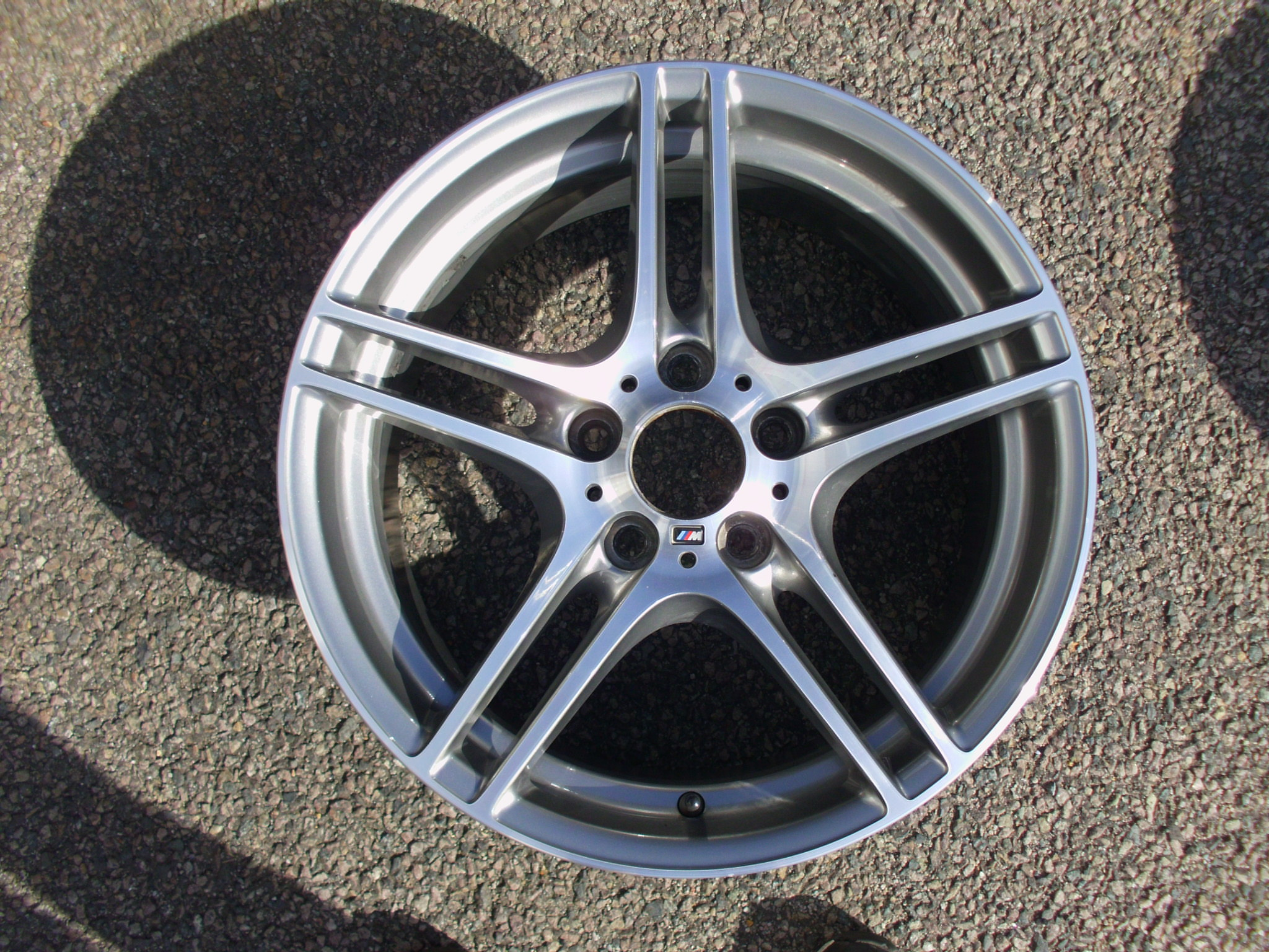 "USED SINGLE 18"" GENUINE BMW E82 1 SERIES STYLE 313M SPORT REAR ALLOY WHEEL, EXCELLENT ORIGINAL CONDITION"