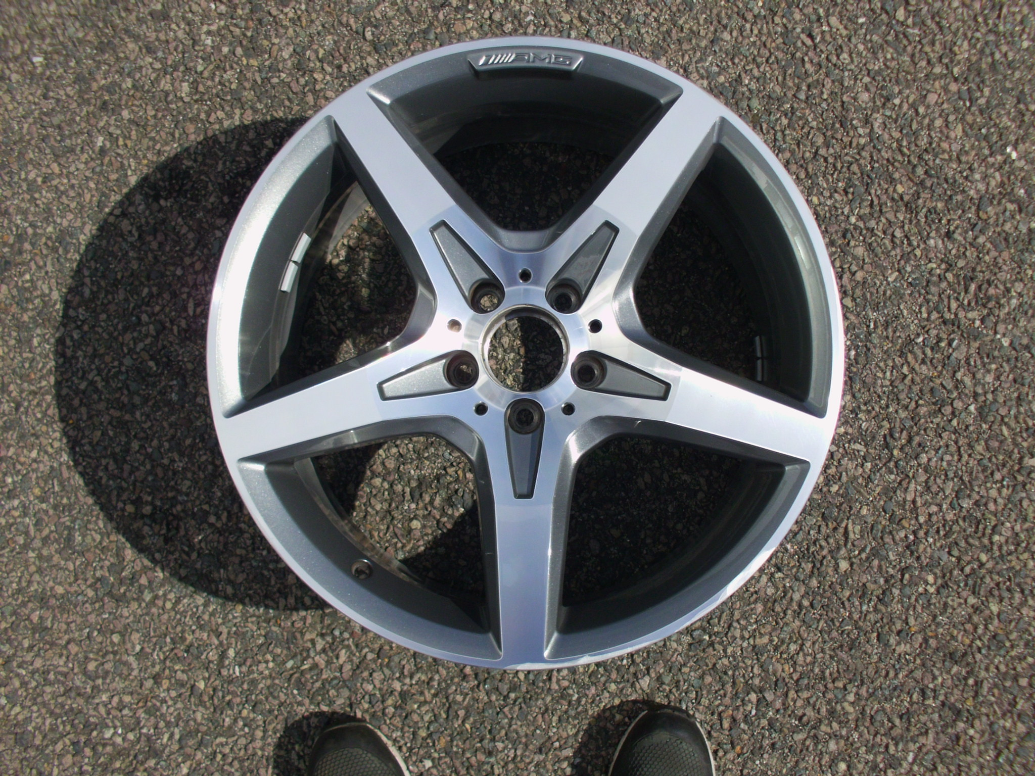 "USED SINGLE 19"" GENUINE MERCEDES R231 SL AMG FRONT 5 SPOKE ALLOY WHEEL,GOOD CONDITION IN GUNMETAL WITH POLISHED FACE"