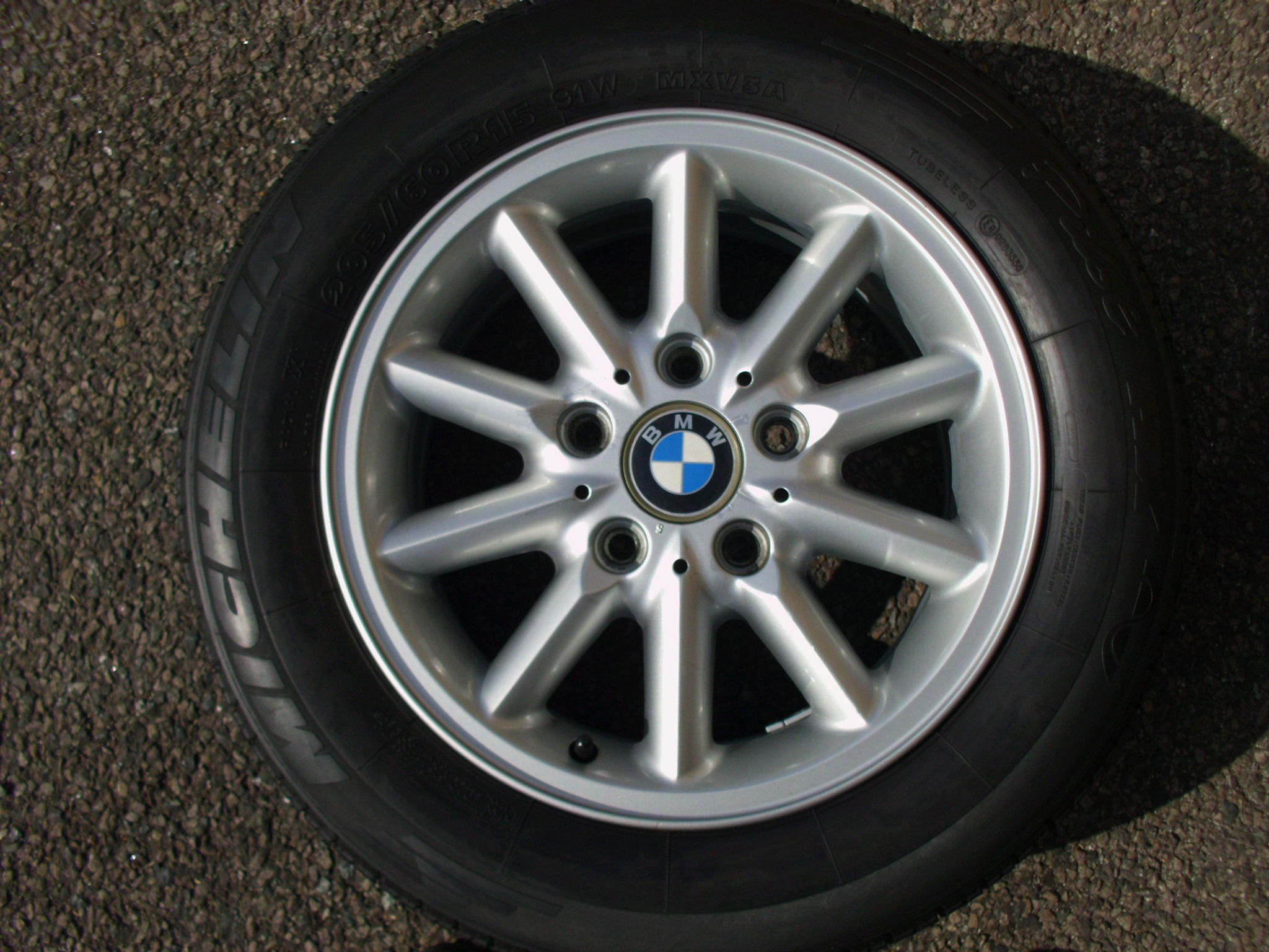 "USED SINGLE 15"" GENUINE BMW E36 STYLE 41 MULIT SPOKE ALLOY WHEEL, VGC INC MICHELIN TYRE"