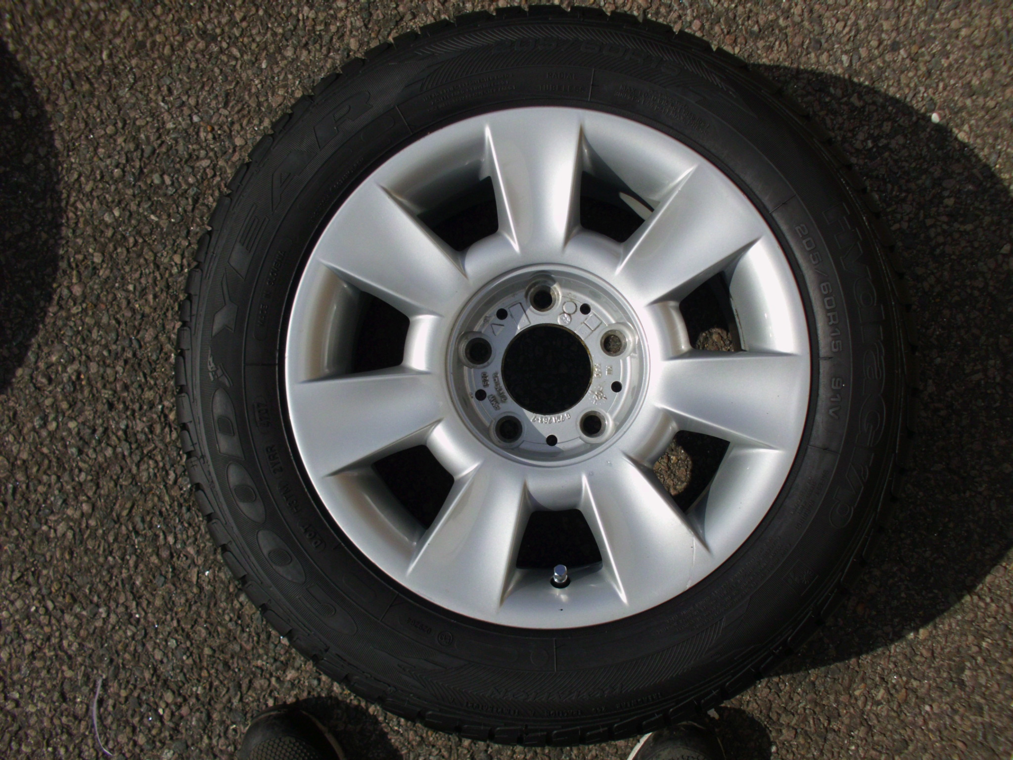 "USED SINGLE 15"" GENUINE BMW E39 STYLE 83 ALLOY WHEEL,VGC INC GOOD TYRE"