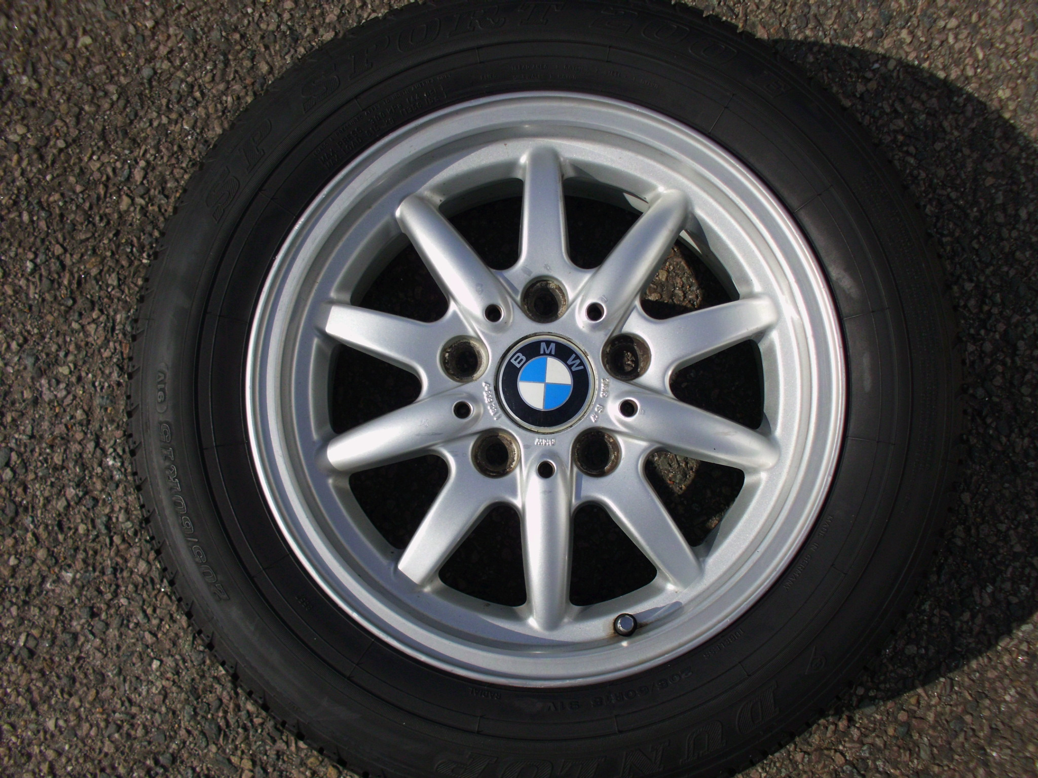 "USED SINGLE 15"" GENUINE BMW E36 STYLE 27 10 FINGER ALLOY WHEEL, VGC INC DUNLOP TYRE"