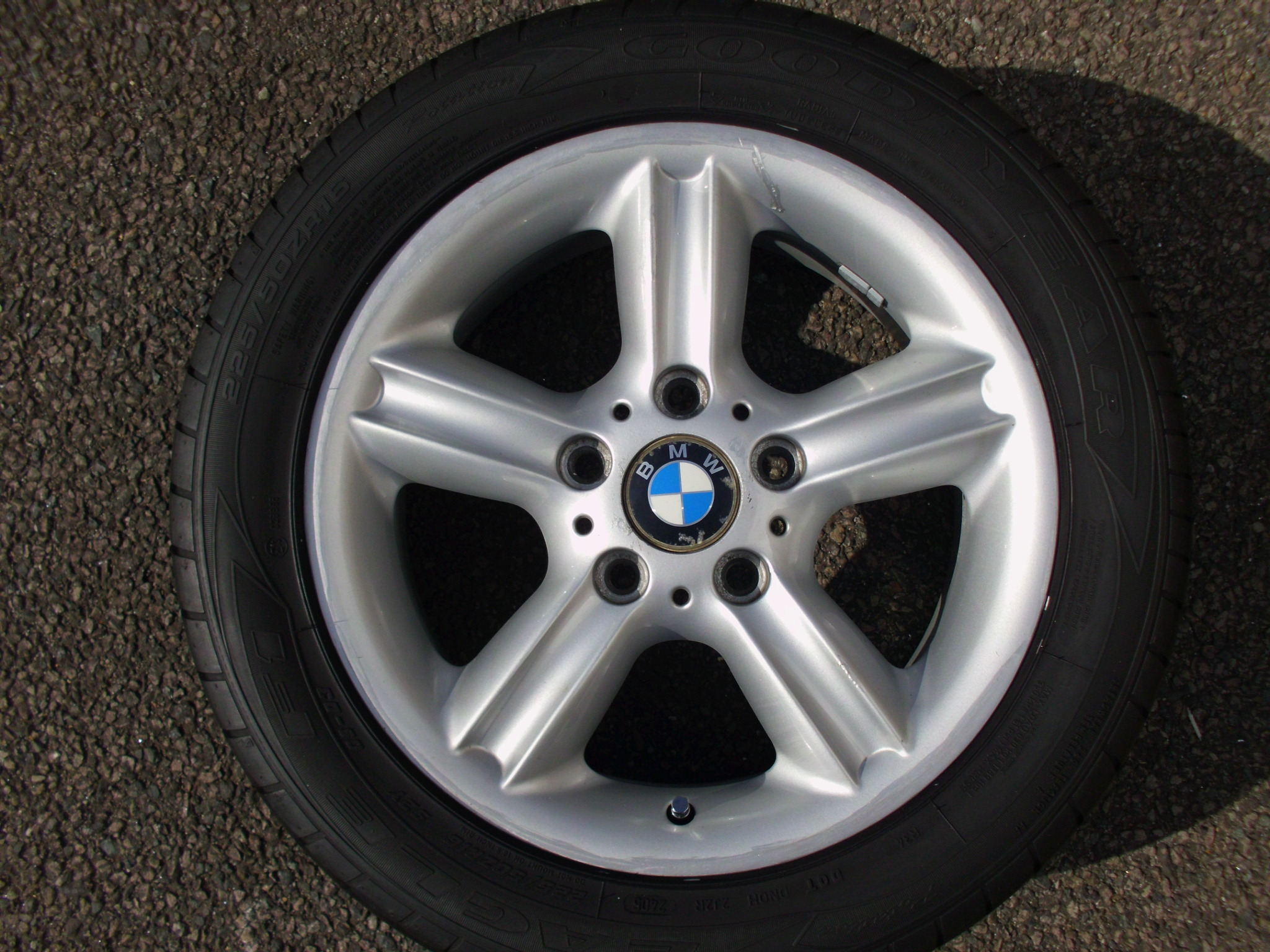 "USED SINGLE 16"" GENUINE BMW STYLE 55 5 SPOKE ALLOY WHEEL,INC GOOD CONTINENTAL 225/50/16 TYRE"