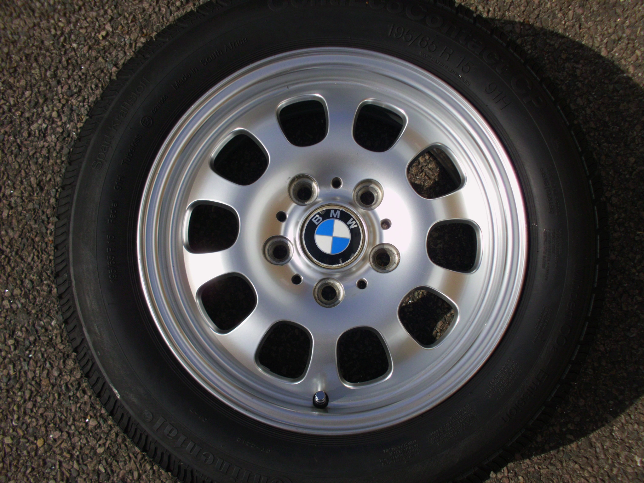 "USED SINGLE 15"" GENUINE BMW E46 STYLE 34 ALLOY WHEEL, VGC INC GOOD CONTINENTAL TYRE"