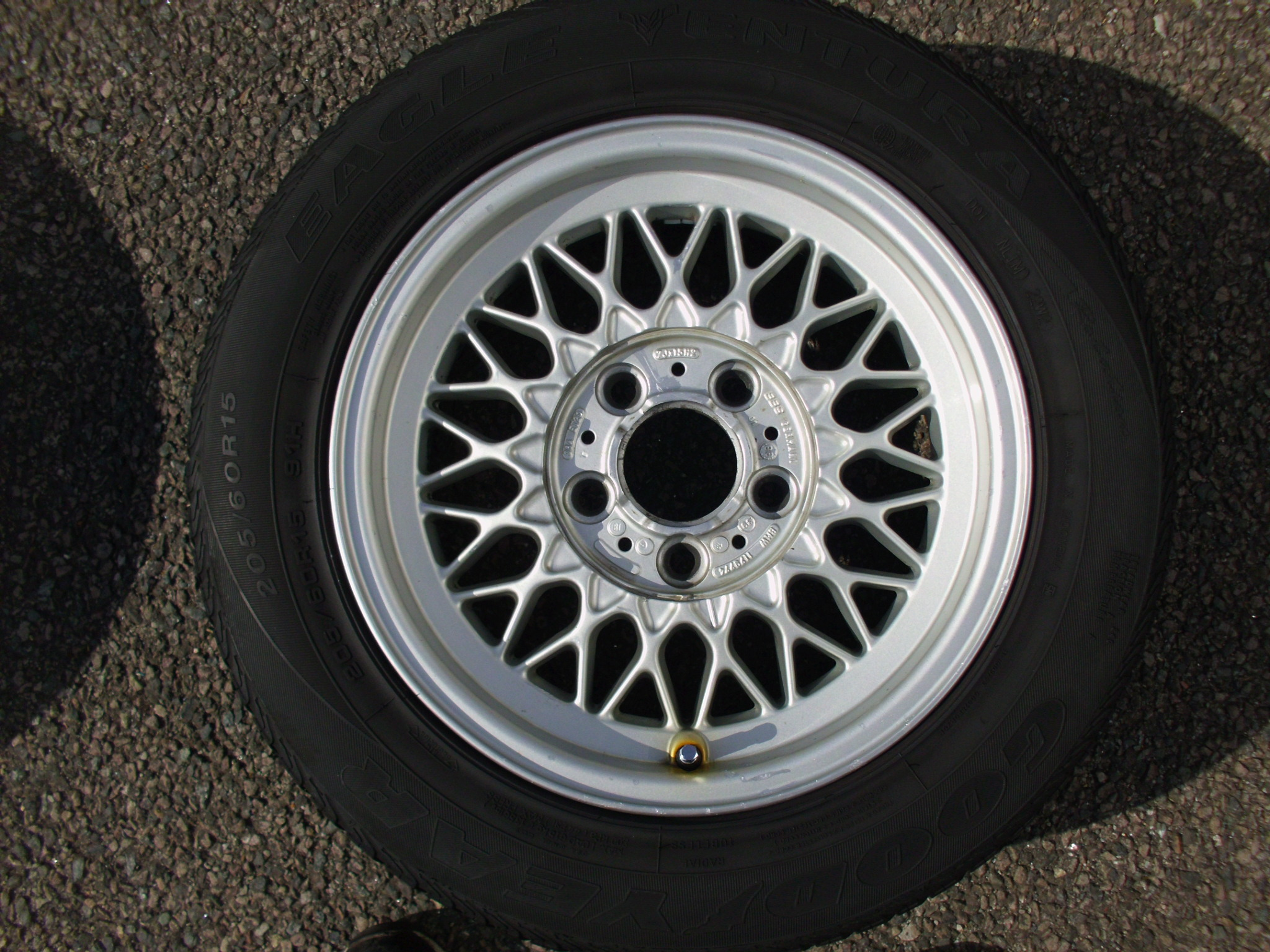 "USED SINGLE 15"" GENUINE BMW E34 STYLE 5 BBS CROSS SPOKE ALLOY WHEEL,VGC INC TYRE"