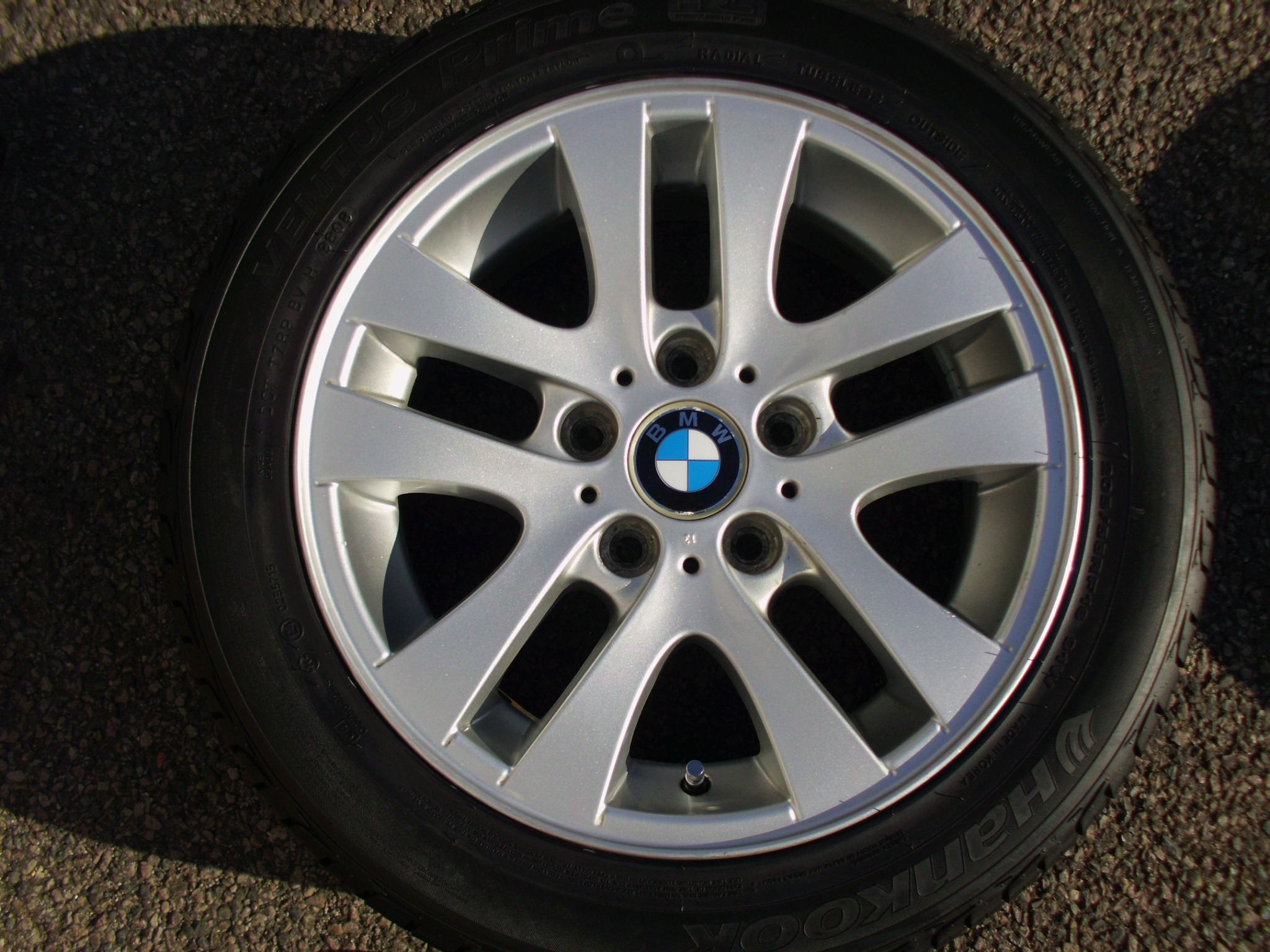 "USED SINGLE 16"" GENUINE BMW E90 STYLE 156 DOUBLE SPOKE ALLOY WHEEL ,VGC, INC VG HANKOOK 205/55/16 RUNFLAT TYRE"