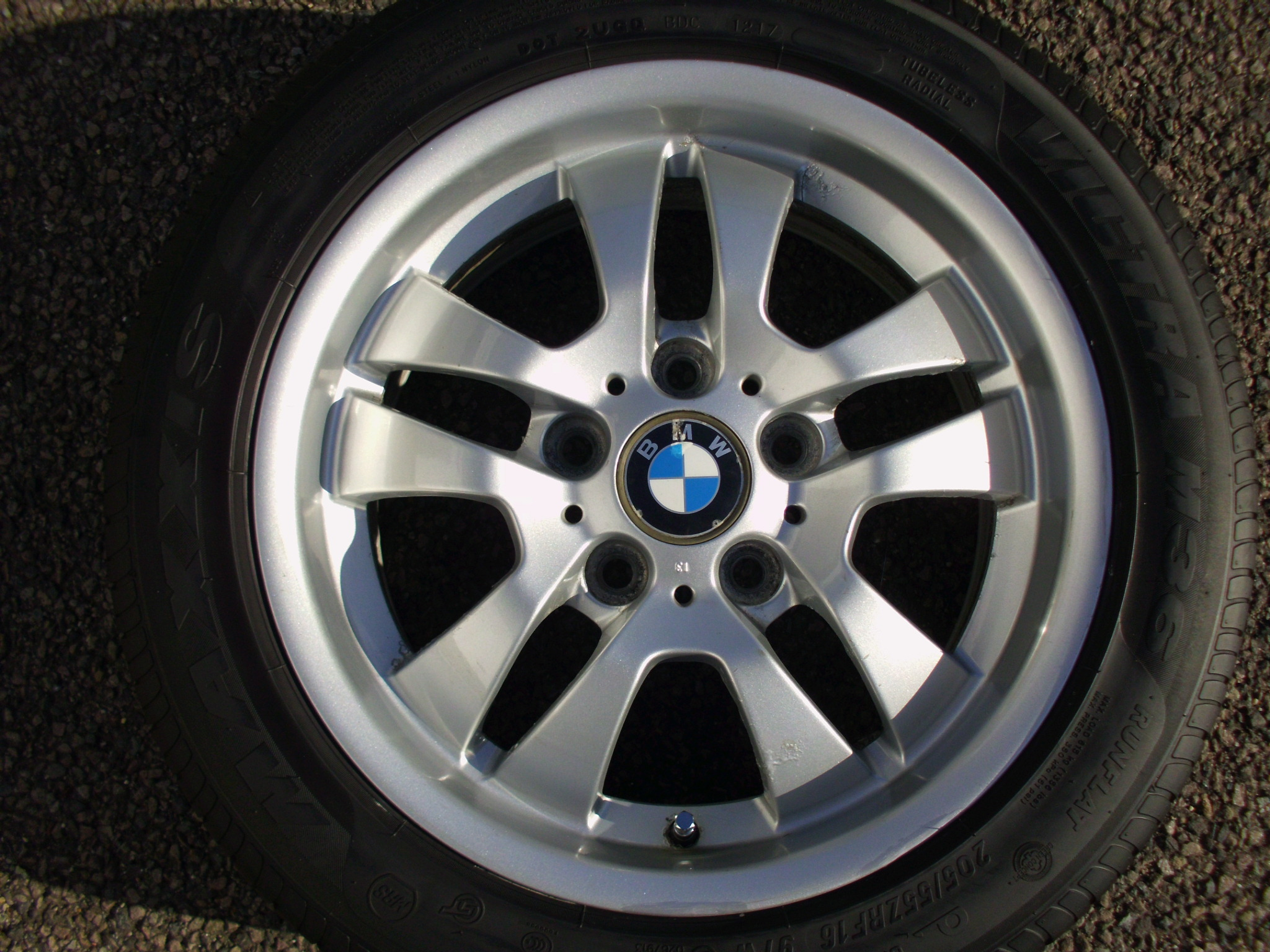 "USED SINGLE 16"" GENUINE BMW E90 STYLE 154 DOUBLE SPOKE ALLOY WHEEL ,GC, INC VG MAXXIS 205/55/16 RUNFLAT TYRE"