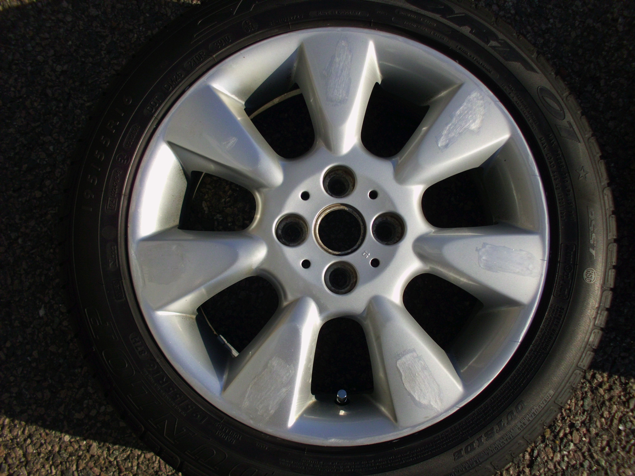 "USED SINGLE 16"" GENUINE MINI COOPER R92 7 FIN ALLOY WHEEL,IN VG DUNLOP RUNFLAT TYRE"