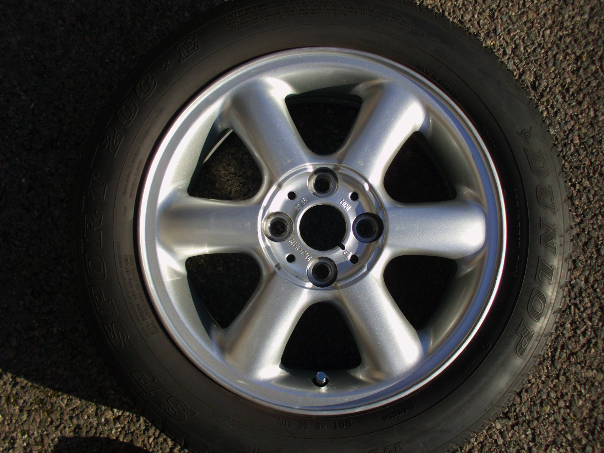 "USED SINGLE 15"" GENUINE MINI R101 ROTATOR 6 SPOKE ALLOY WHEEL,GC INC DUNLOP 175/65/15 TYRE"