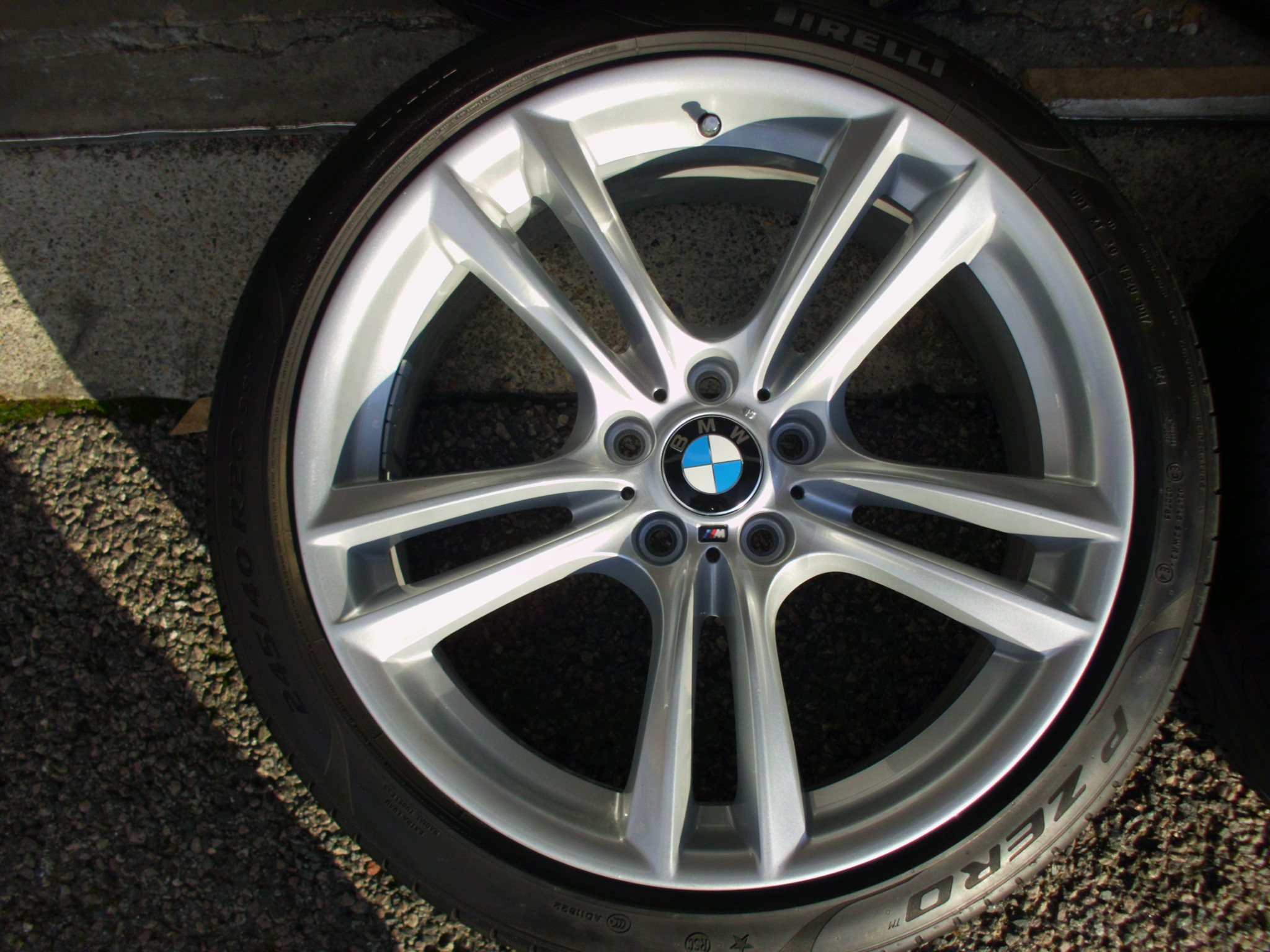 "USED 20"" GENUINE F07 STYLE 303M ALLOY WHEELS,FULLY REFURBISHED, WIDE REAR, INC GOOD RUNFLAT TYRES"