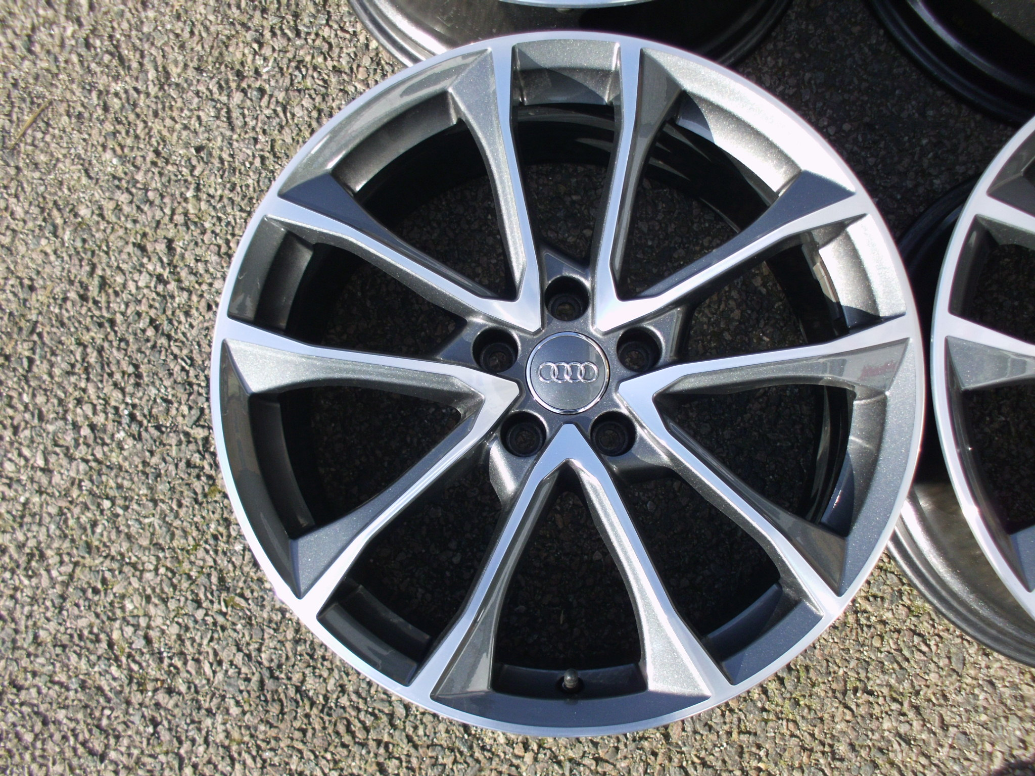 "USED 19"" GENUINE AUDI B9 S4 ALLOY WHEELS, NEAR UNMARKED, 5X112 ET40"