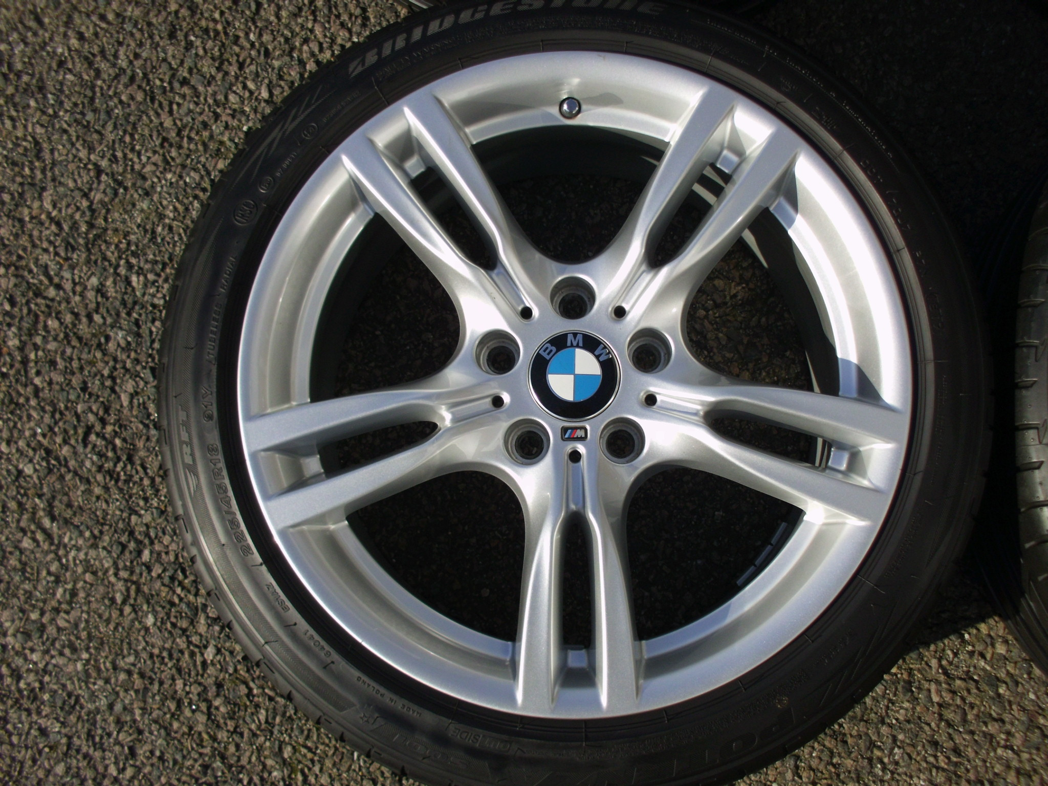 "USED 18"" GENUINE BMW STYLE 400 M SPORT ALLOY WHEELS ,WIDER REARS,VG CONDITION, INC VG BRIDGESTONE RUNFLAT TYRES"