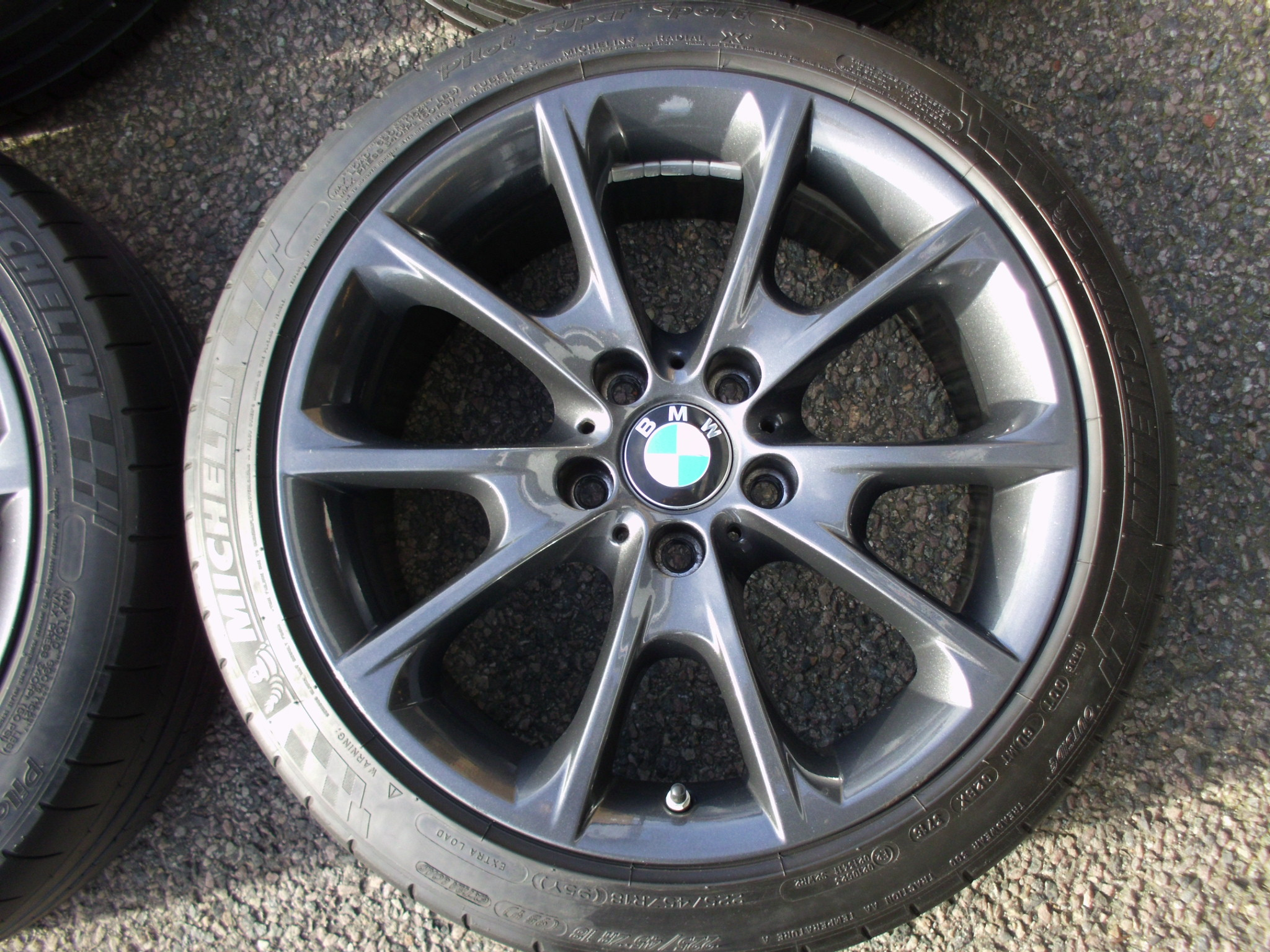 "USED 18"" GENUINE BMW STYLE 398 SPORT ALLOY WHEELS, ORBIT GREY, WIDER REARS, VGC CONDITION, INC VG TYRES + TPMS"
