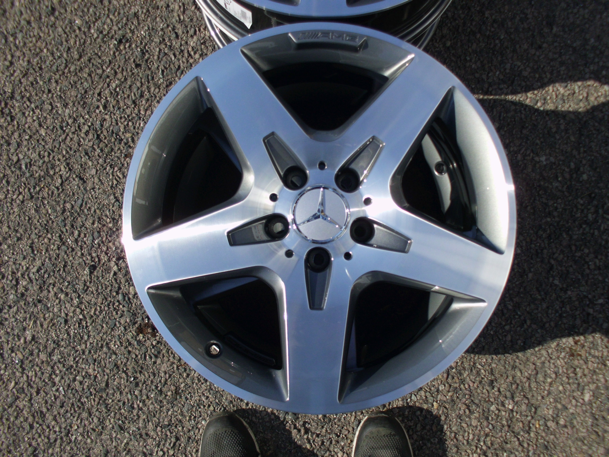 "USED 18"" GENUINE MERCEDES AMG 5 SPOKE ALLOY WHEELS WITH GUNMETAL WITH POLISHED FACE A C CLASS"