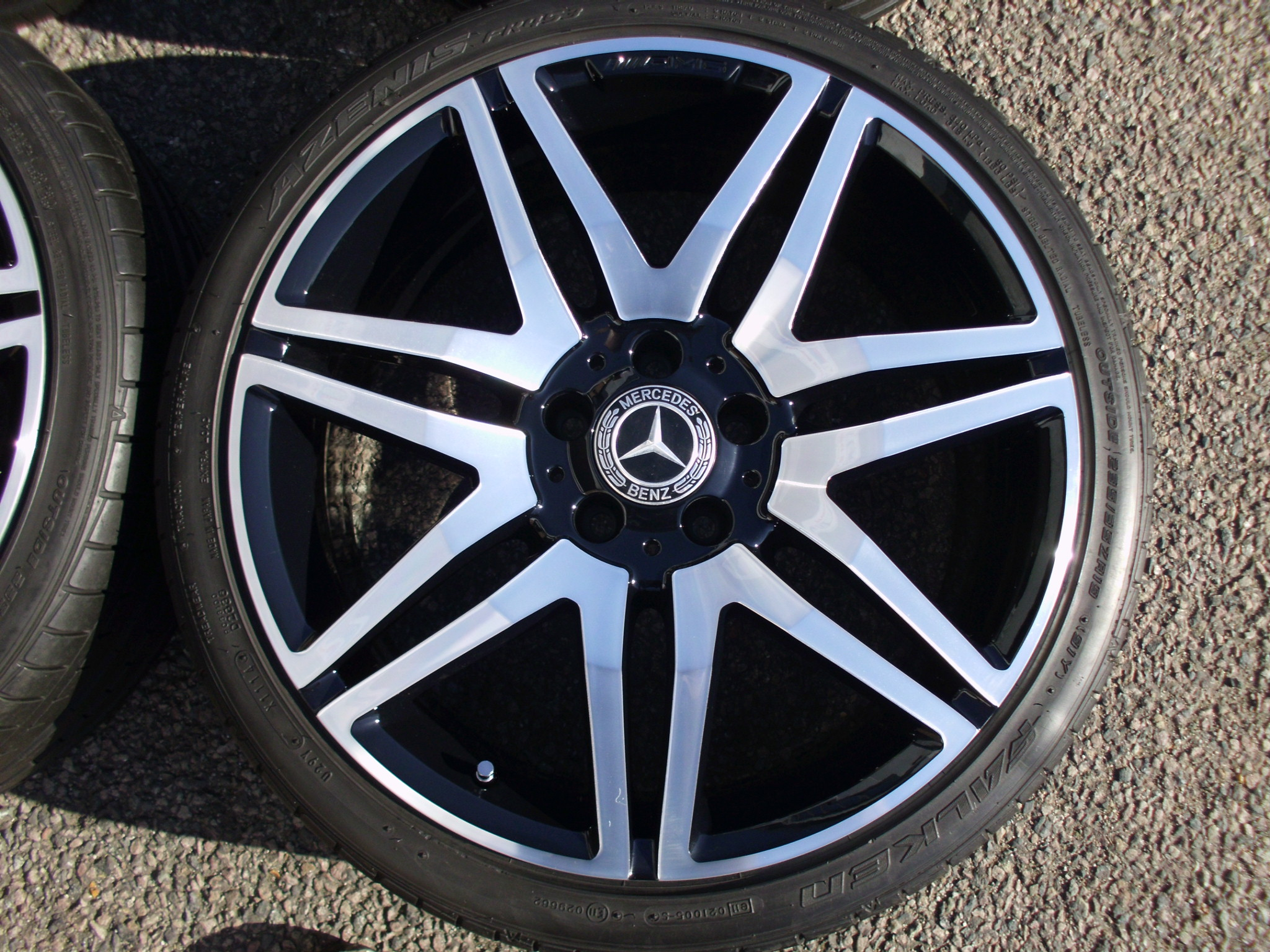 "USED 19"" GENUINE MERCEDES AMG 7 TWIN SPOKE ALLOY WHEELS ,FULLY REFURBED INC TYRES"