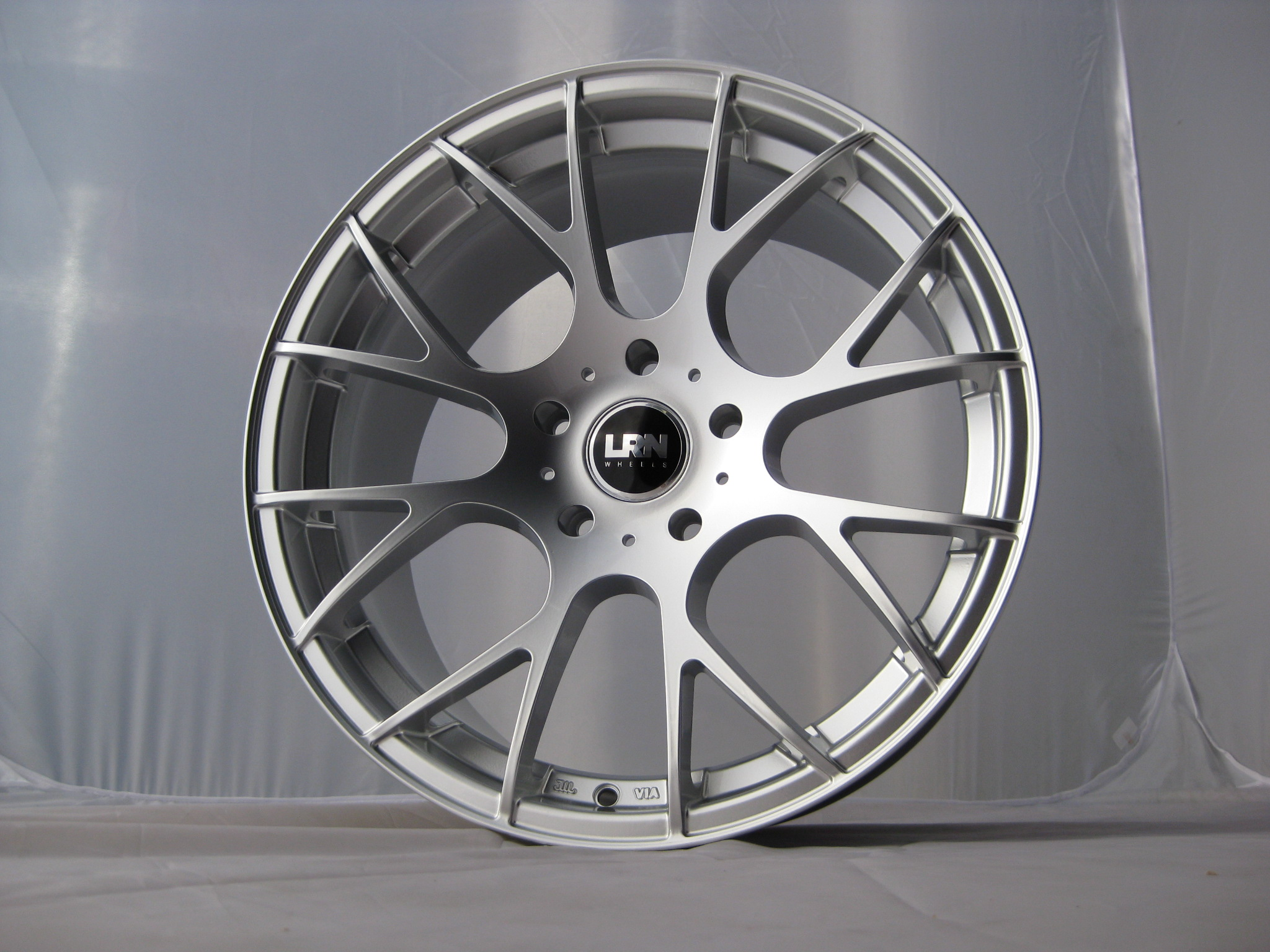 "NEW 18"" LRN CYCLONE ALLOYS IN HYPER SILVER, DEEP 9"" CONCAVE REAR,MUST BE SEEN!!"