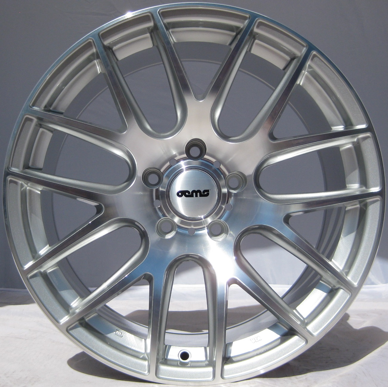 "NEW 18"" OEMS 111 ALLOY WHEELS IN SILVER/POL WITH DEEPER CONCAVE REARS ET35/35"